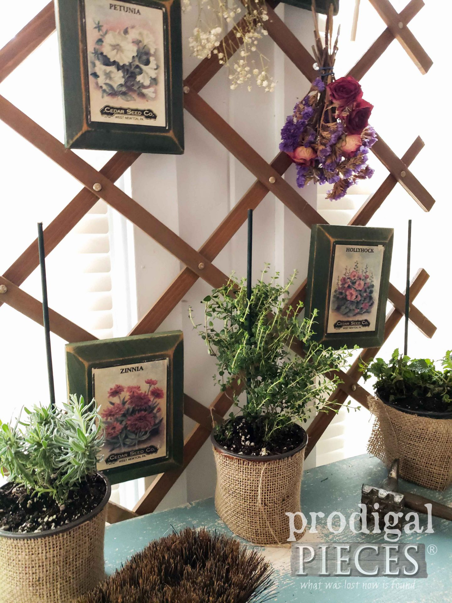 Fresh Herbs for Farmhouse Decor by Larissa of Prodigal Pieces | prodigalpieces.com #prodigalpieces #farmhouse #spring #garden #diy #home #homedecor