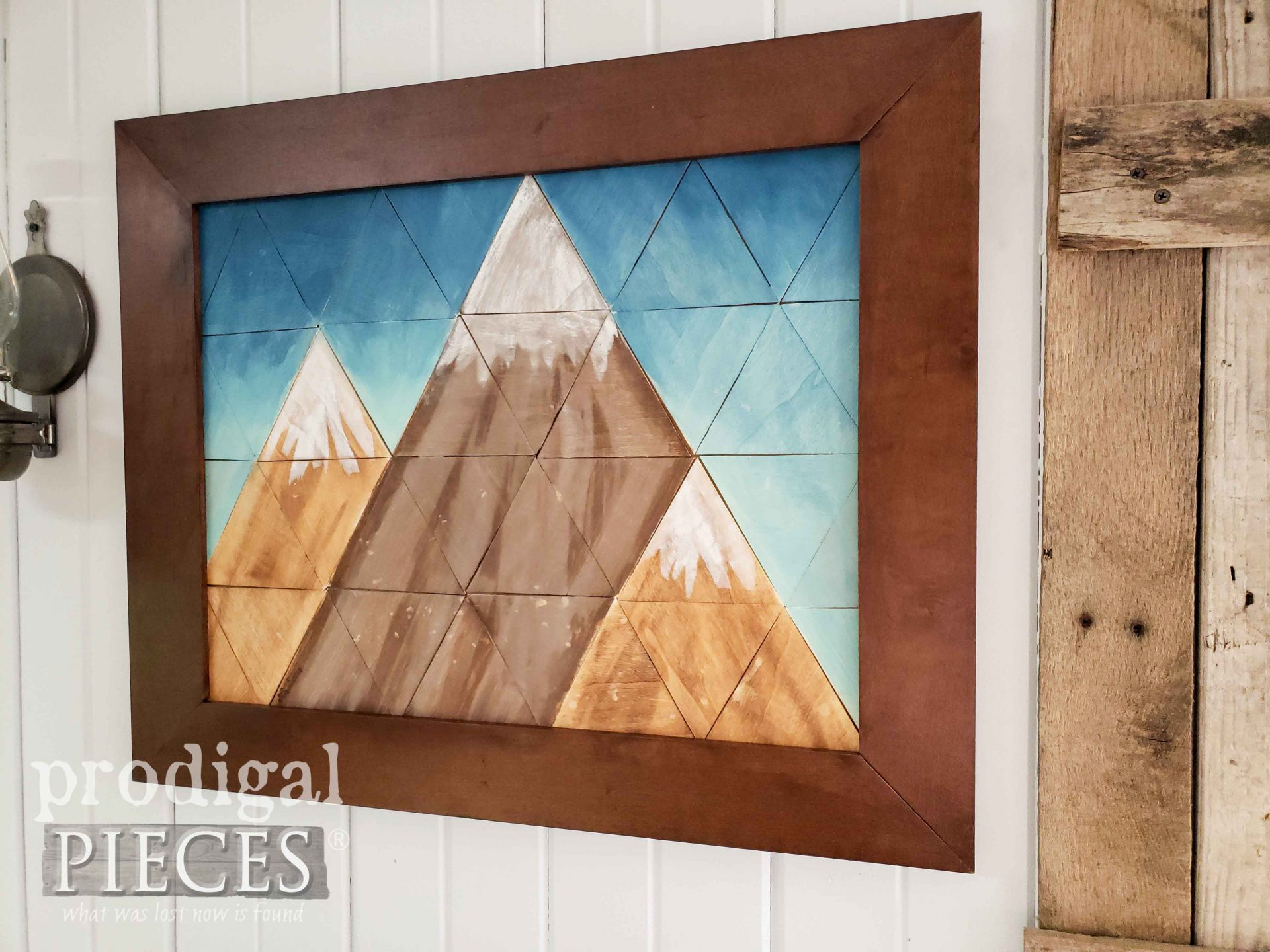 Rustic Farmhouse Wall Art Created with Geometric Shapes by Larissa of Prodigal Pieces | prodigalpieces.com #prodigalpieces #art #farmhouse #home #handmade #homedecor