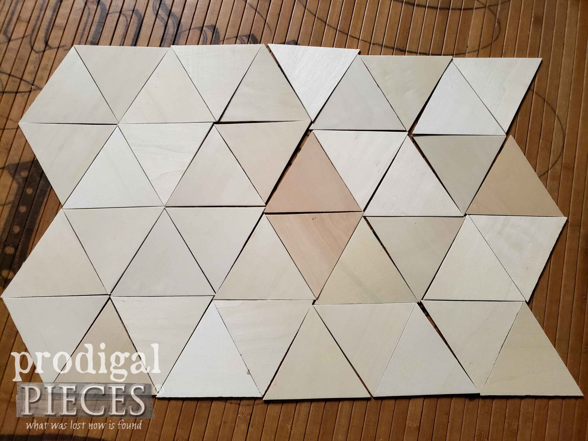 Rough DIY Mountain Wall Art Layout with Geometric Shapes by Prodigal Pieces | prodigalpieces.com