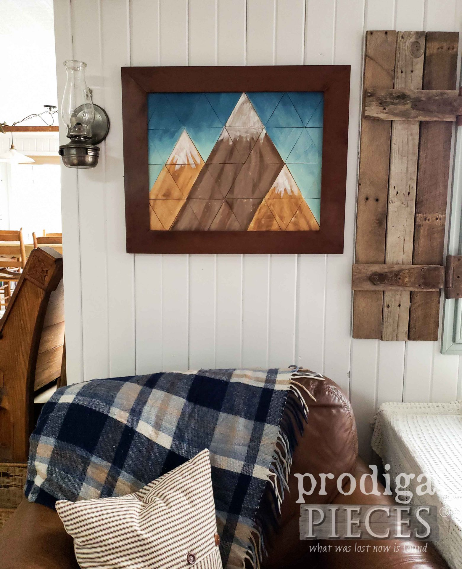 Rustic Farmhouse Mountain Wall Art Created by Larissa of Prodigal Pieces | prodigalpieces.com #prodigalpieces #home #farmhouse #art #homedecor
