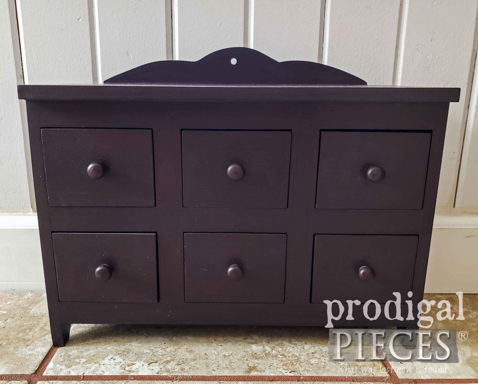 Thrifted Drawer Cubby Before Makeover by Larissa of Prodigal Pieces | prodigalpieces.com