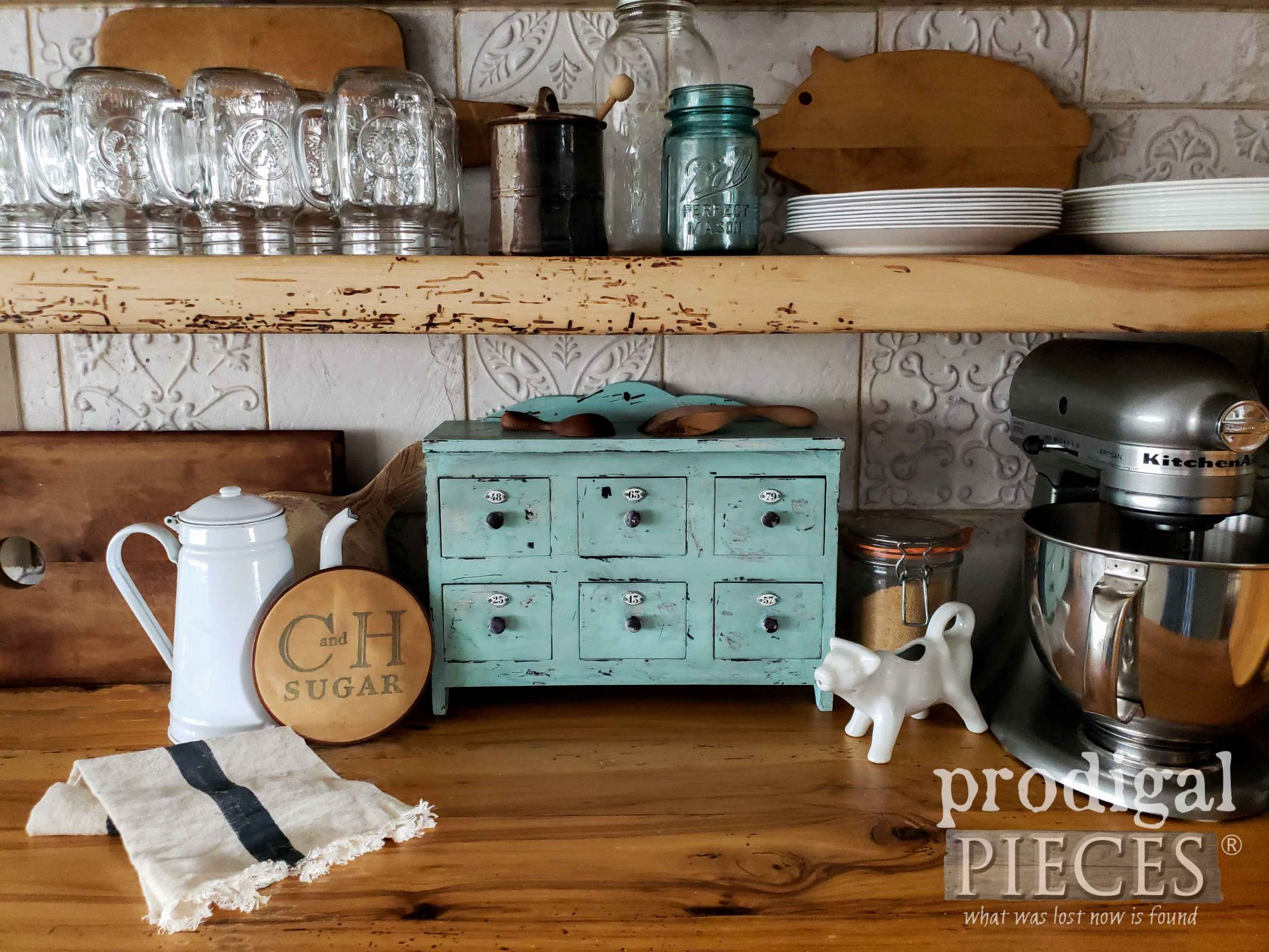 Vintage Style Apothecary Cubby by Larissa of Prodigal Pieces | prodigalpieces.com #prodigalpieces #diy #home #homedecor #farmhouse
