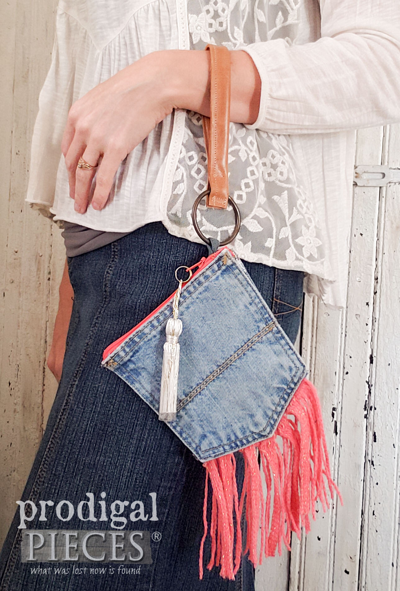 Handmade Denim Pocket Purse Wristlet with Coral Accents by Larissa of Prodigal Pieces | prodigalpieces.com #prodigalpieces #handmade #fashion #style #diy #purse #bag #women