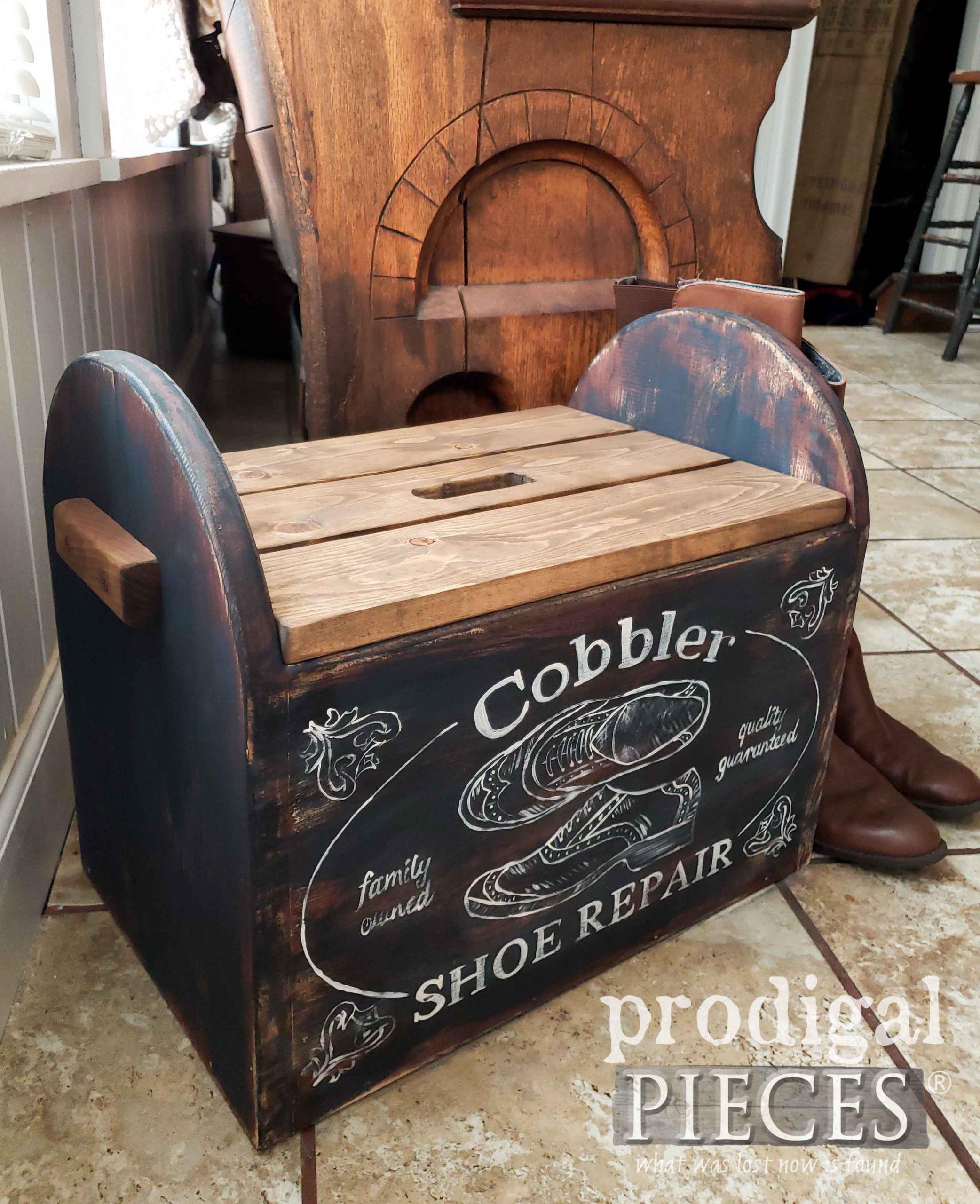 Handmade Crate Style Farmhouse Cobbler Bin Decor by Larissa of Prodigal Pieces | prodigalpieces.com #prodigalpieces #diy #farmhouse #home #rustic #homedecor