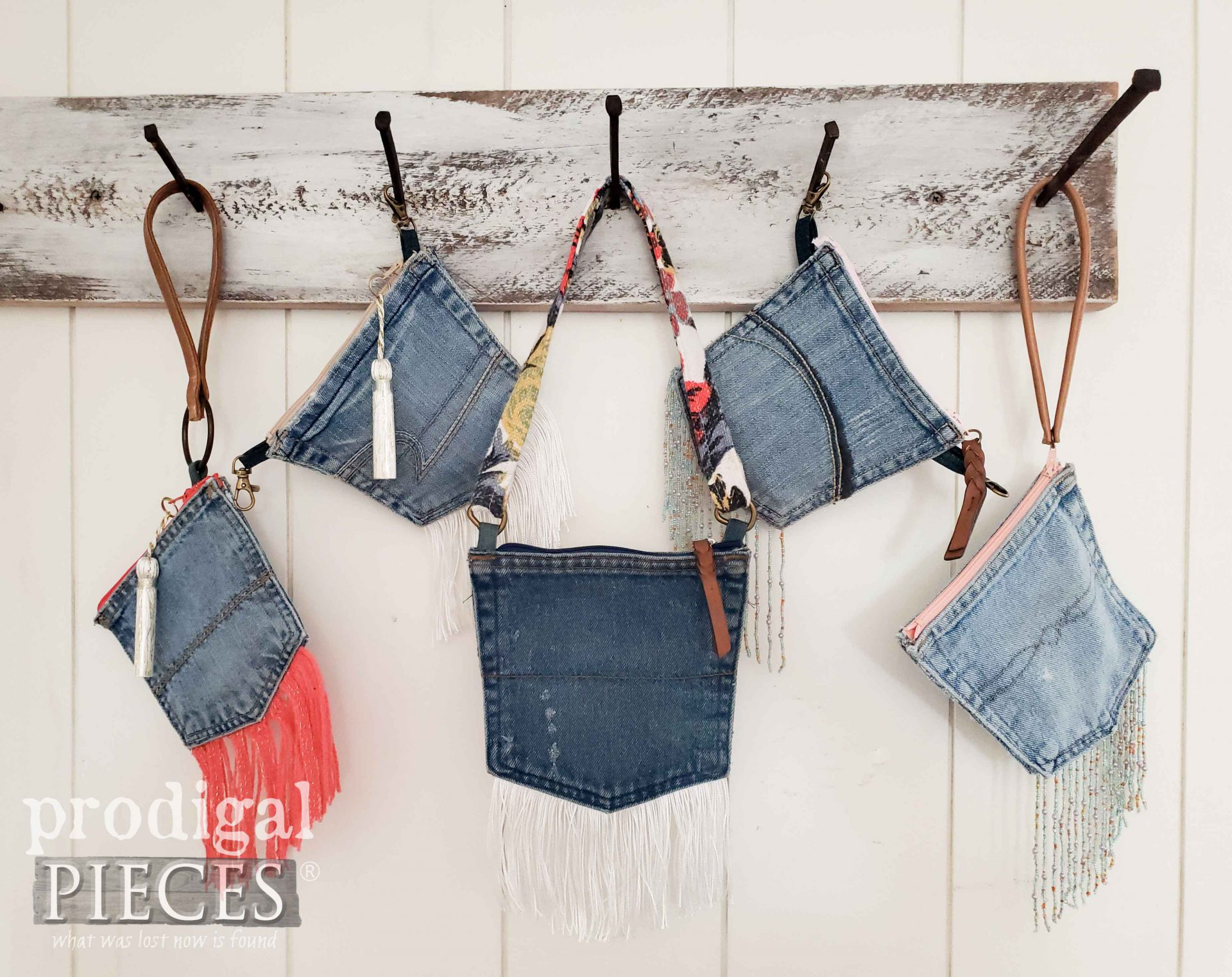 Handmade Pocket Purses from Upcycled Denim Pocket Purses | Video Tutorial by Larissa of Prodigal Pieces | prodigalpieces.com #prodigalpieces #handmade #crafts #diy #tutorial #refashion #upcycle #fashion