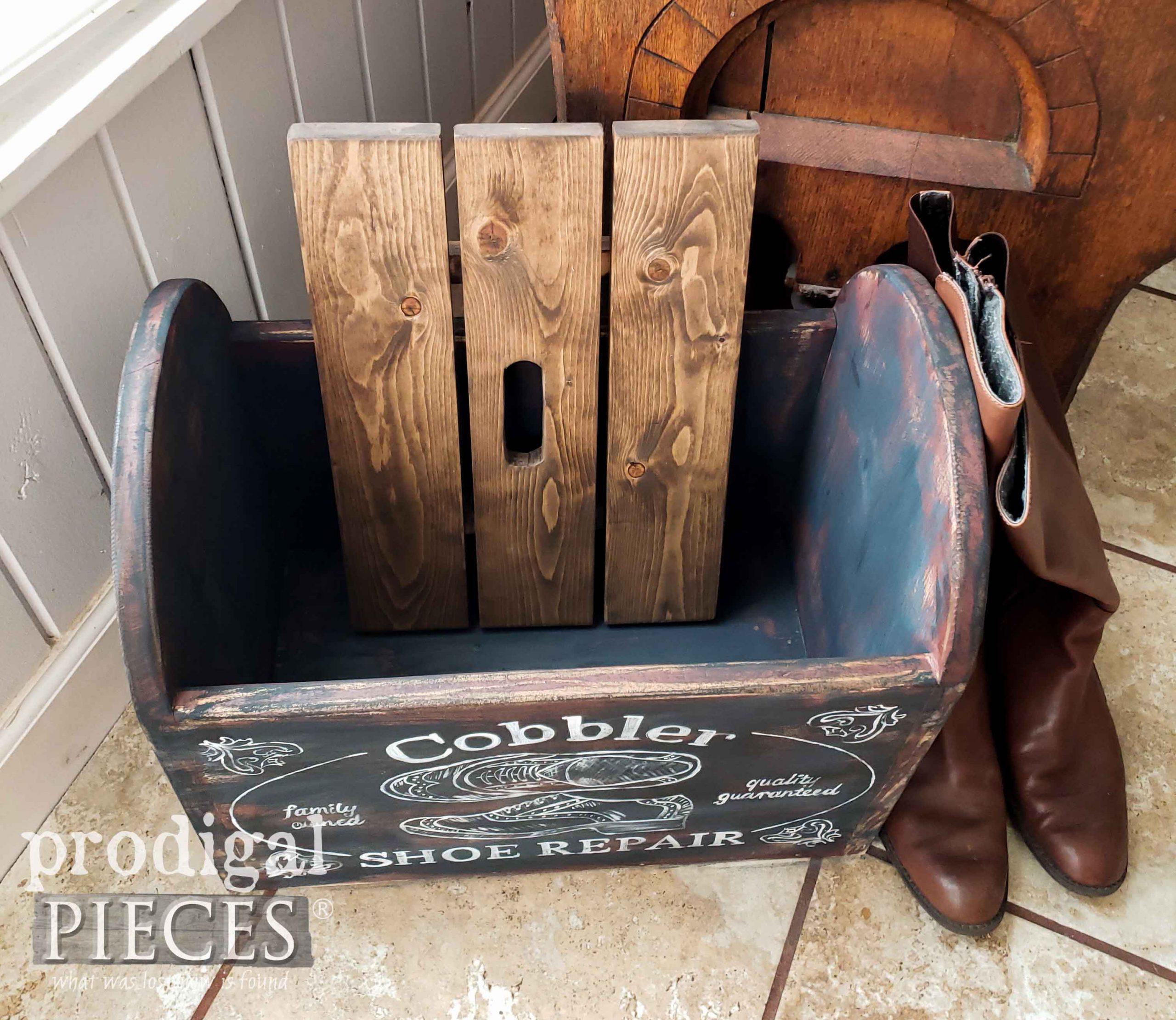 Inside Farmhouse Cobbler Bin for Extra Storage by Larissa of Prodigal Pieces | prodigalpieces.com #diy #farmhouse #home #homedecor