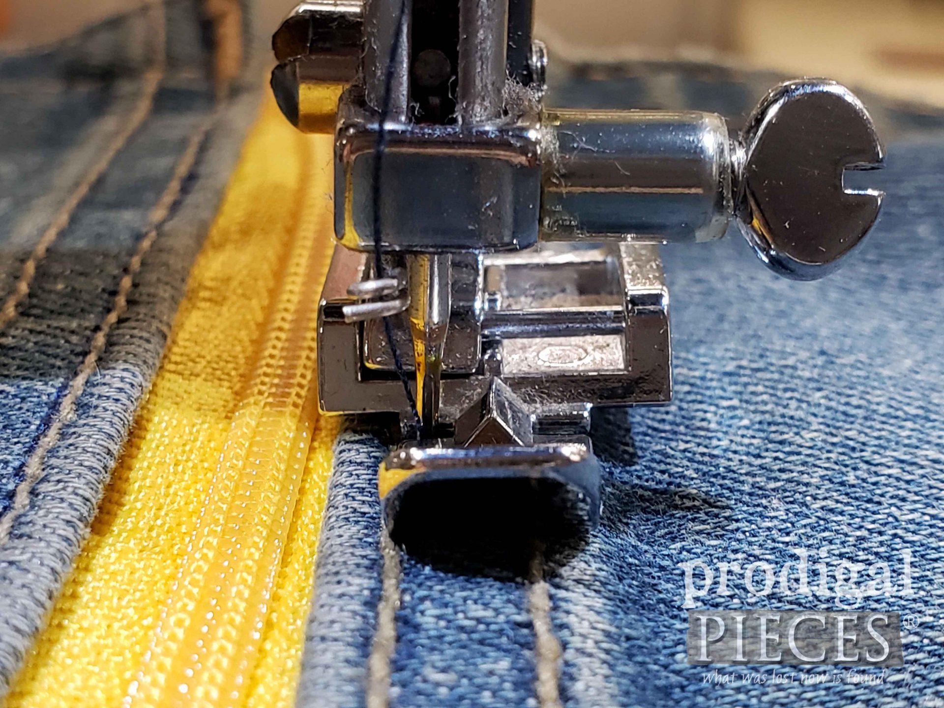 Stitch in the Ditch Denim Purse   prodigalpieces.com #prodigalpieces