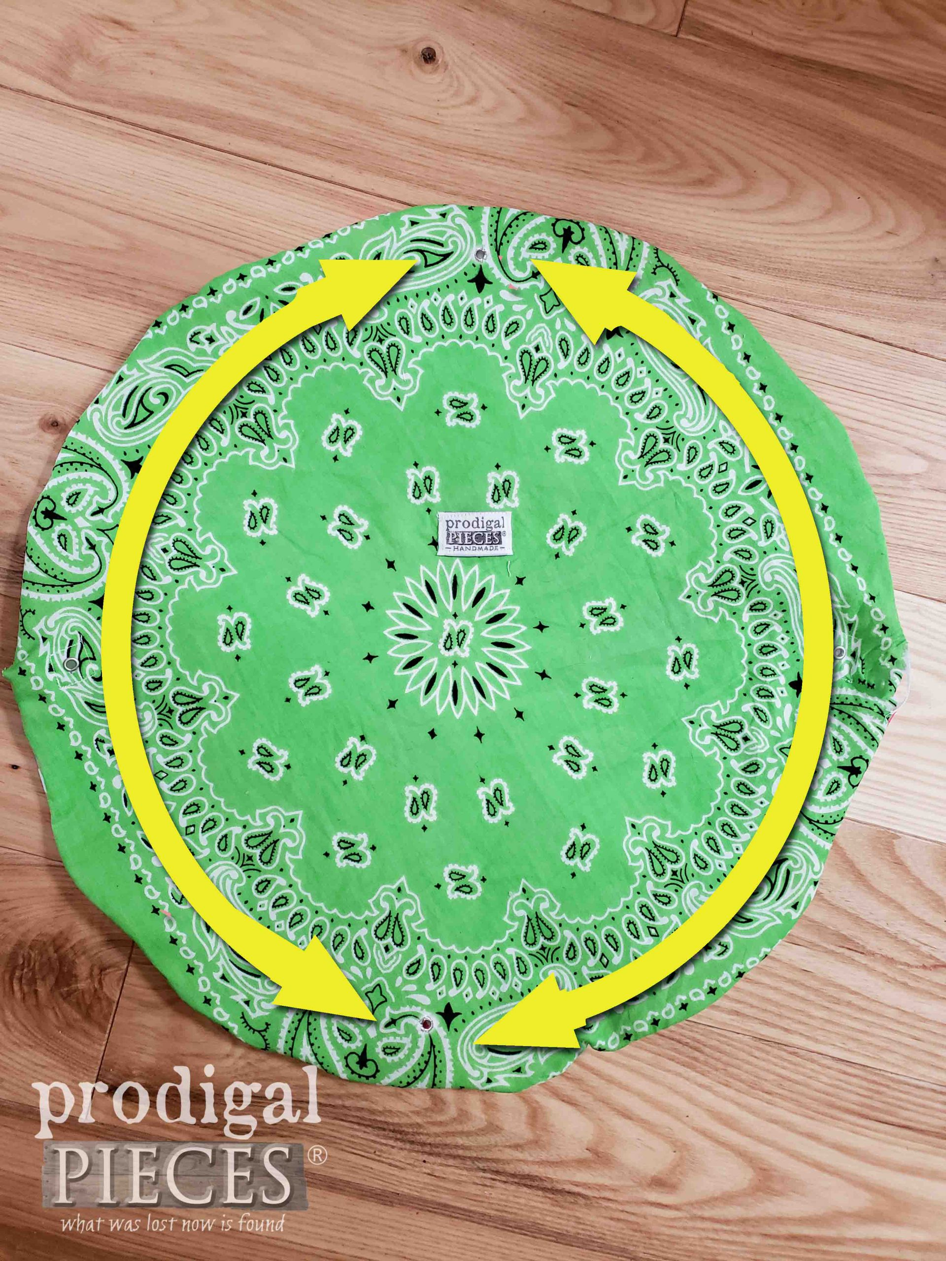 Bandana Drawstring Bag Stitch Pattern for Cording Channel | prodigalpieces.com