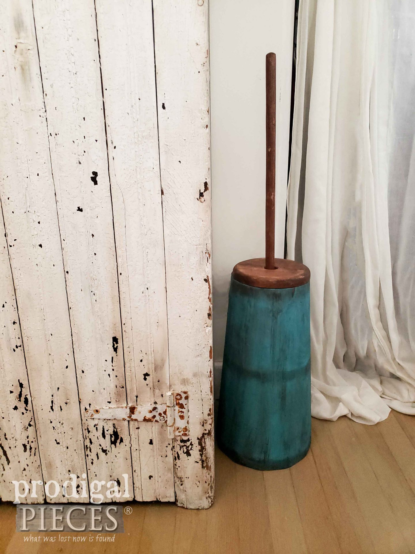 Teal Blue Antique Butter Churn by Larissa of Prodigal Pieces | prodigalpieces.com #prodigalpieces #home #farmhouse #homedecor #diy #vintage