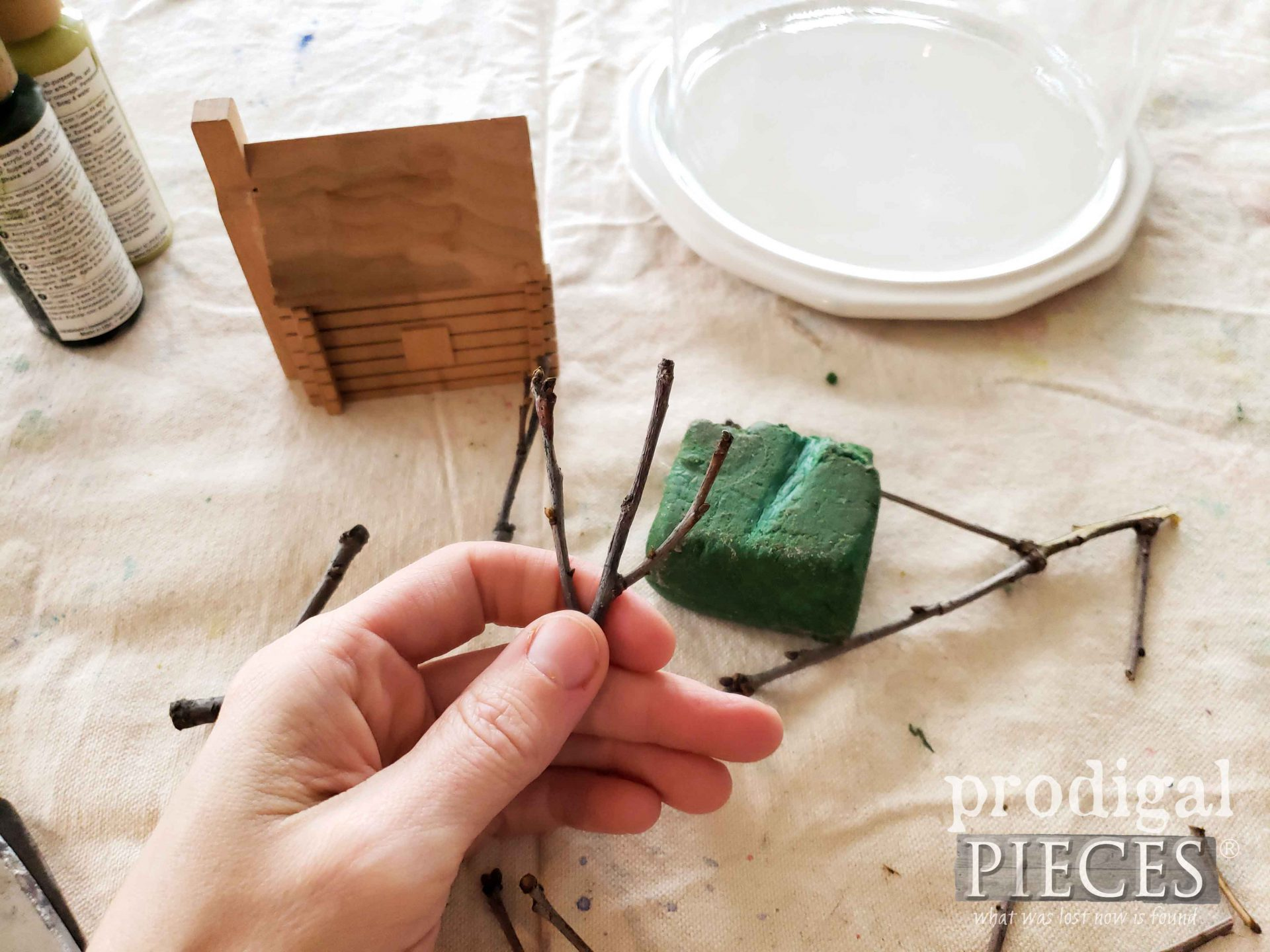 Creating Mini Tree for Homeschool Crafting | prodigalpieces.com