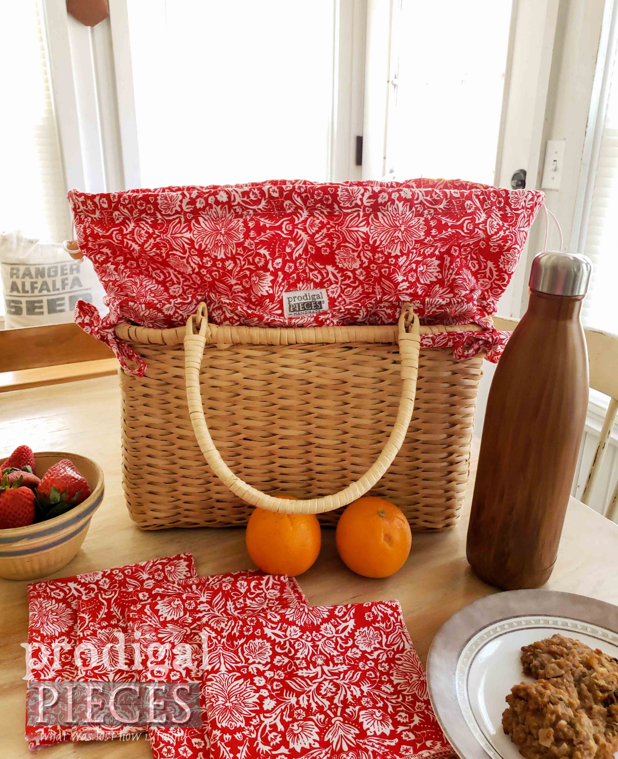 Farmhouse Picnic Basket with Set of Cloth Napkins by Larissa of Prodigal Pieces | prodigalpieces.com #prodigalpieces #sewing #home #summer #homedecor