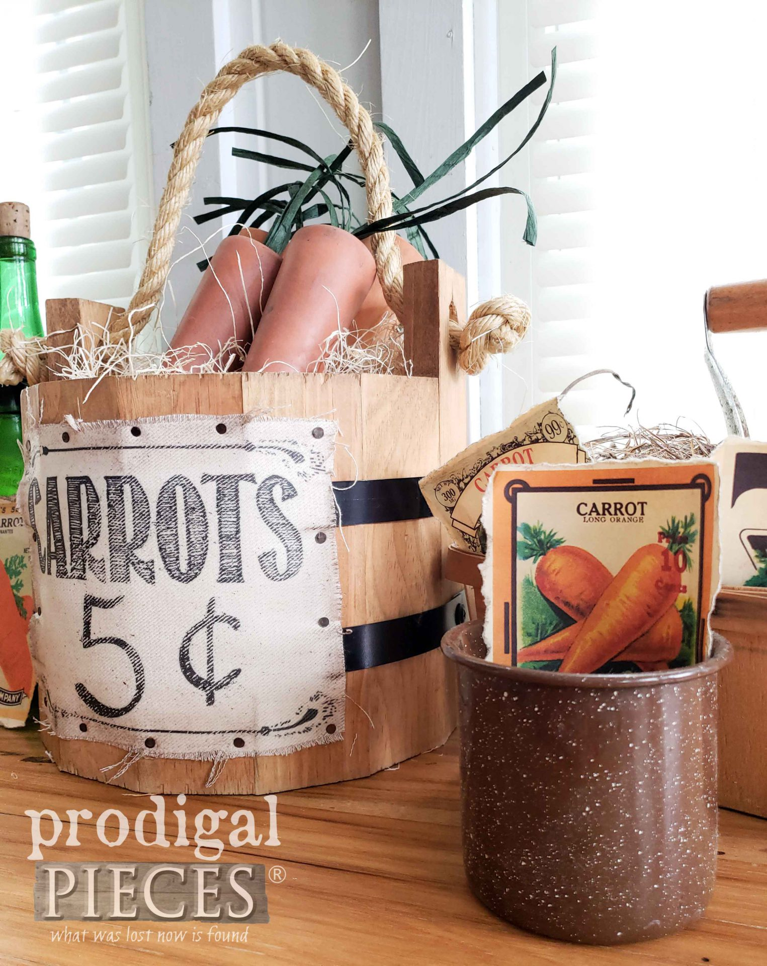 Farmhouse Spring Carrots for Farmhouse Decor by Larissa of Prodigal Pieces | prodigalpieces.com #prodigalpieces #crafts #spring #homedecor