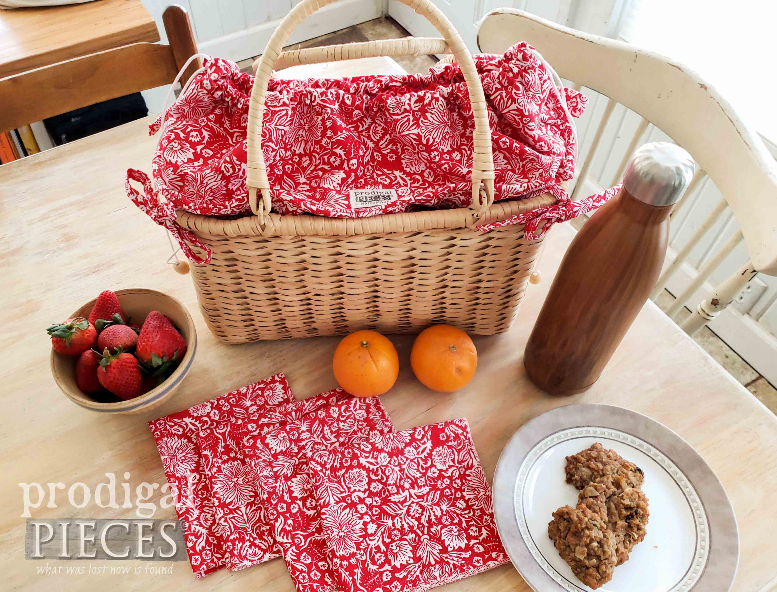 Larissa of Prodigal Pieces Takes a Thrifted Basket and Turns it into an Insulated Picnic Basket with Style | prodigalpieces.com #prodigalpieces #diy #sewing #handmade #home #summer