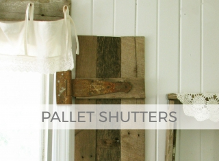 Grab those pallets and make shutters for farmhouse decor by Larissa of Prodigal Pieces | prodigalpieces.com #prodigalpieces