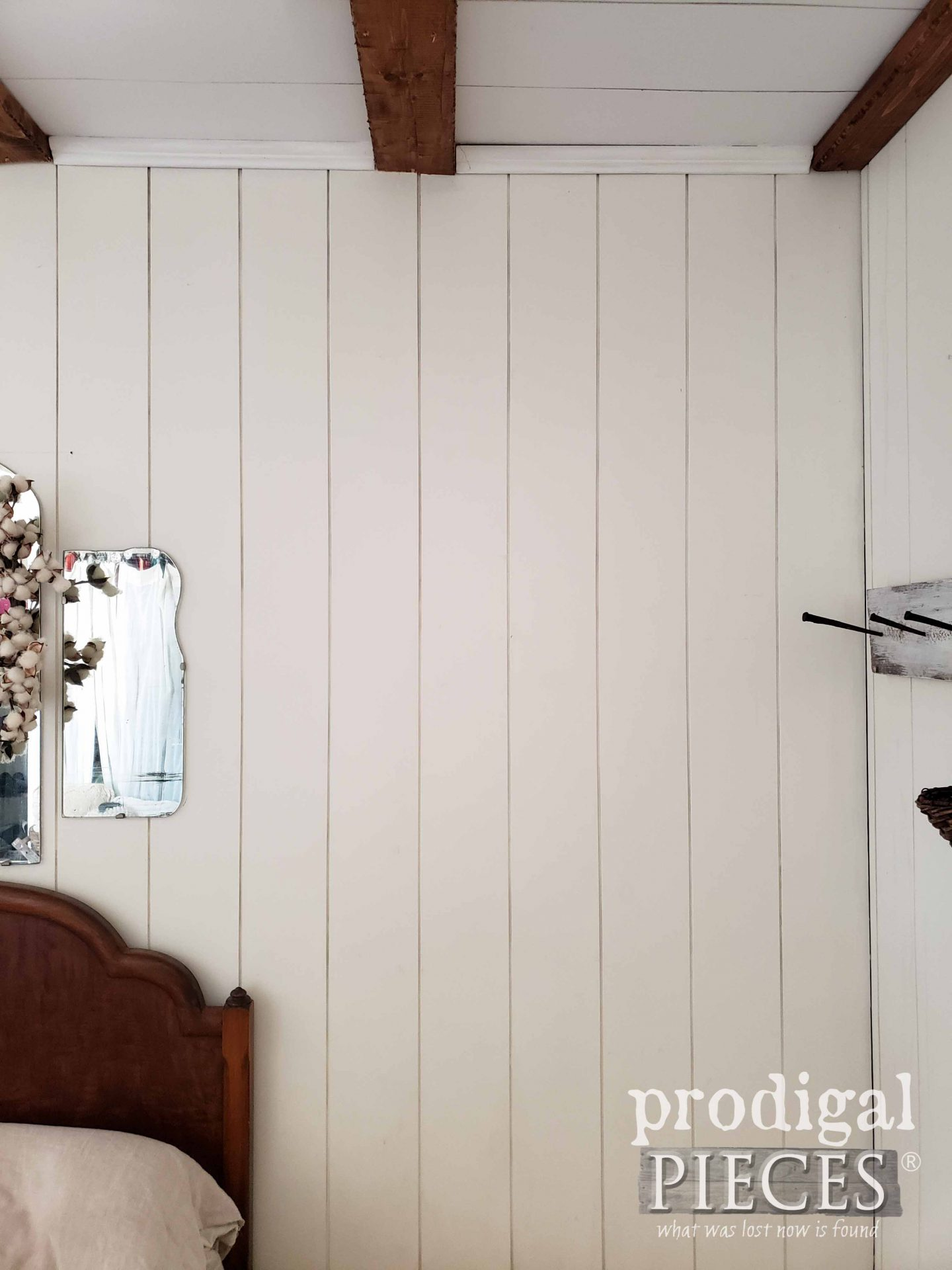 Blank Bedroom Wall Before adding Architectural Salvage | prodigalpieces.com