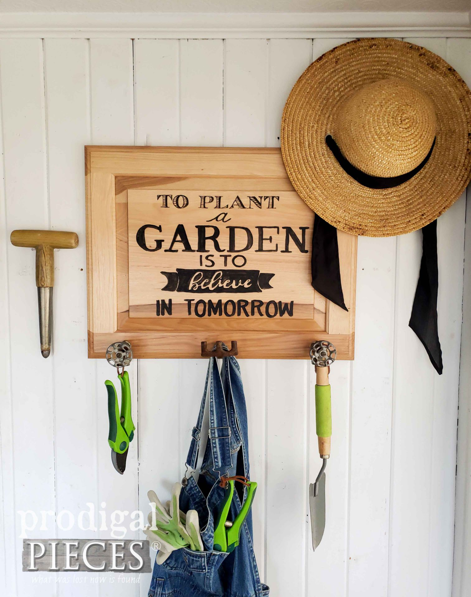 DIY Garden Sign Coat Rack from Upcycled Cupboard Door by Larissa of Prodigal Pieces | prodigalpieces.com #prodigalpieces #farmhouse #garden #diy #upcycled #art #home #homedecor