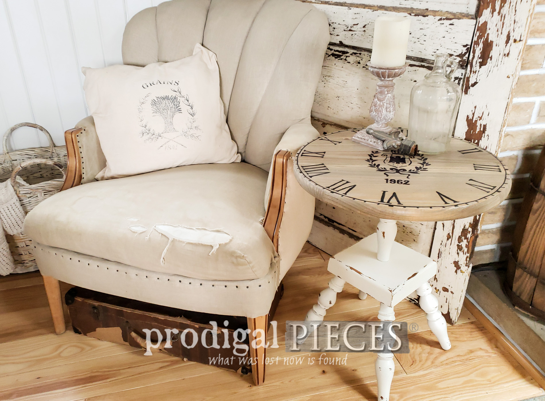 Featured Upcycled Clock Table from a vintage ash tray stand by Larissa of Prodigal Pieces | prodigalpieces.com #prodigalpieces #furniture #diy #farmhouse #home #homedecor #upcycled