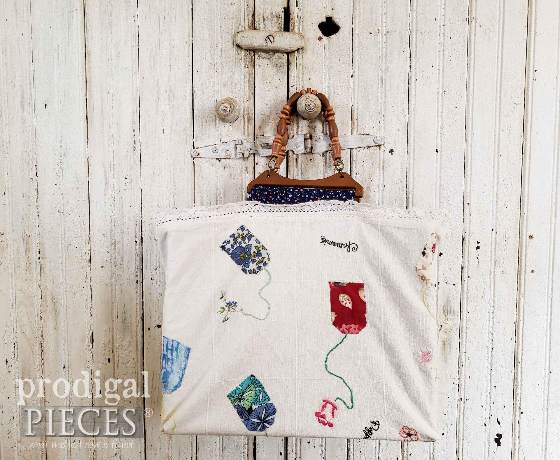 DIY Refashioned Tea Towel Bag made by Larissa of Prodigal Pieces | prodigalpieces.com #prodigalpieces #diy #sewing #refashion #style #women #bag