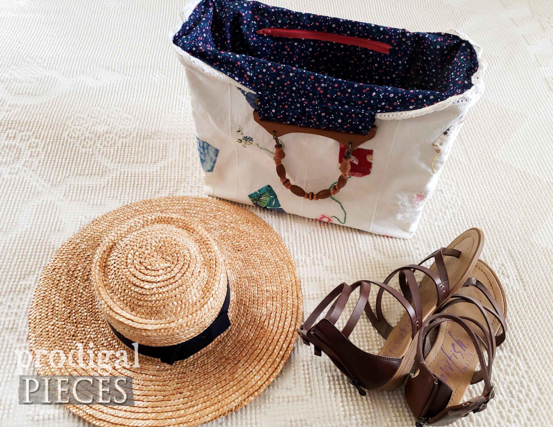 Simple Handmade Tote Bag by Larissa of Prodigal Pieces | prodigalpieces.com #prodigalpieces #bag #fashion #handmade #ladies #style