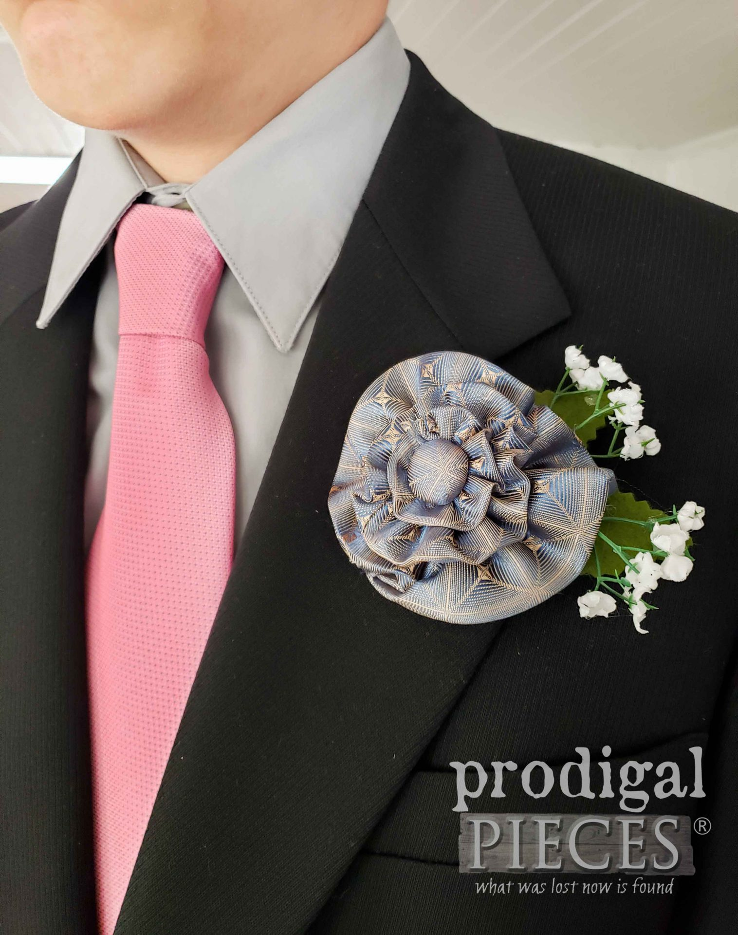 Gray Blue Upcycled Necktie Boutonniere with Video Tutorial by Larissa of Prodigal Pieces | prodigalpieces.com #prodigalpieces #fathersday #wedding #dad #accessory