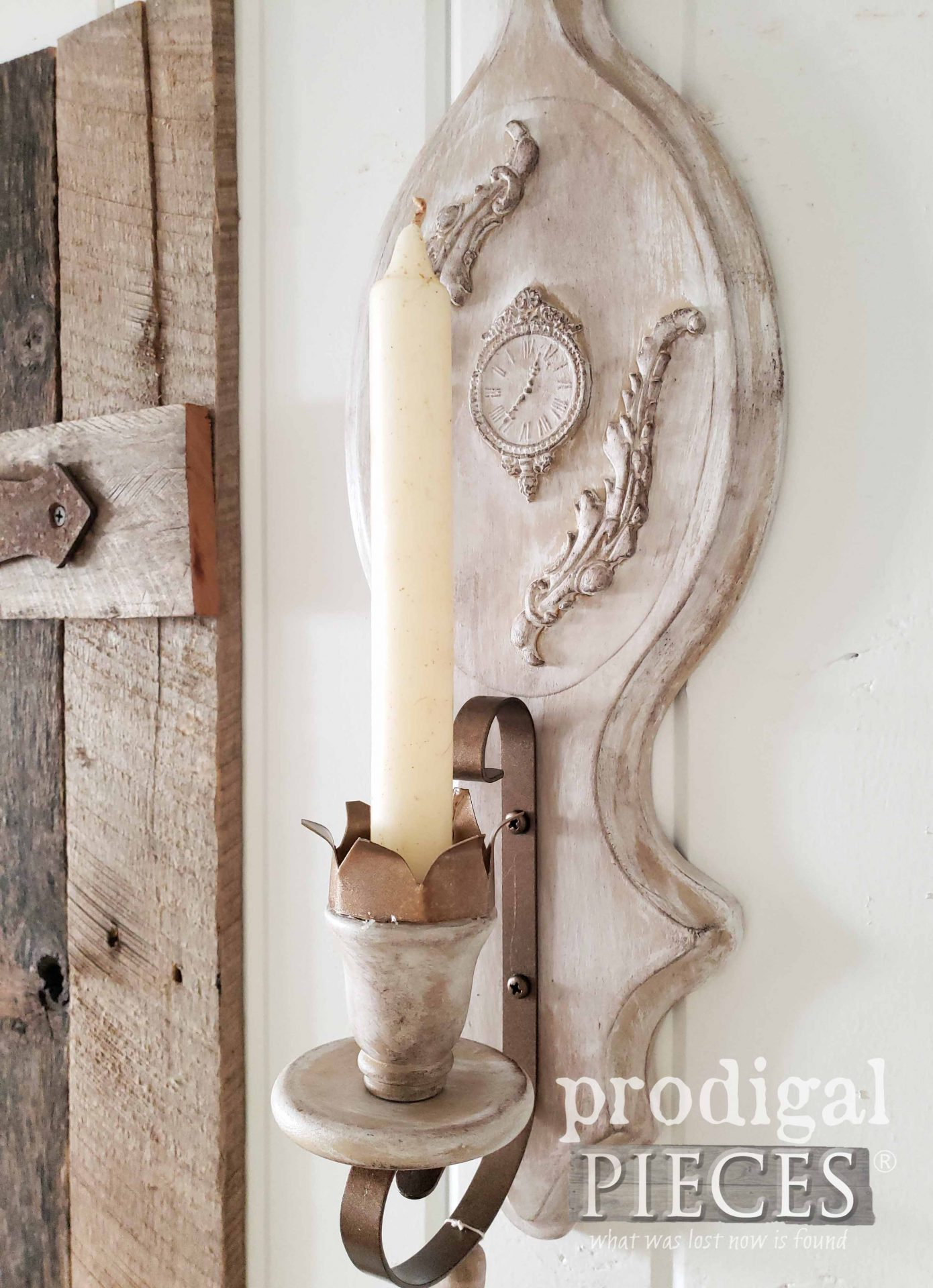 Handmade Candle Sconce by Larissa of Prodigal Pieces | prodigalpieces.com #prodigalpieces #farmhouse #rustic #chic #homedecor
