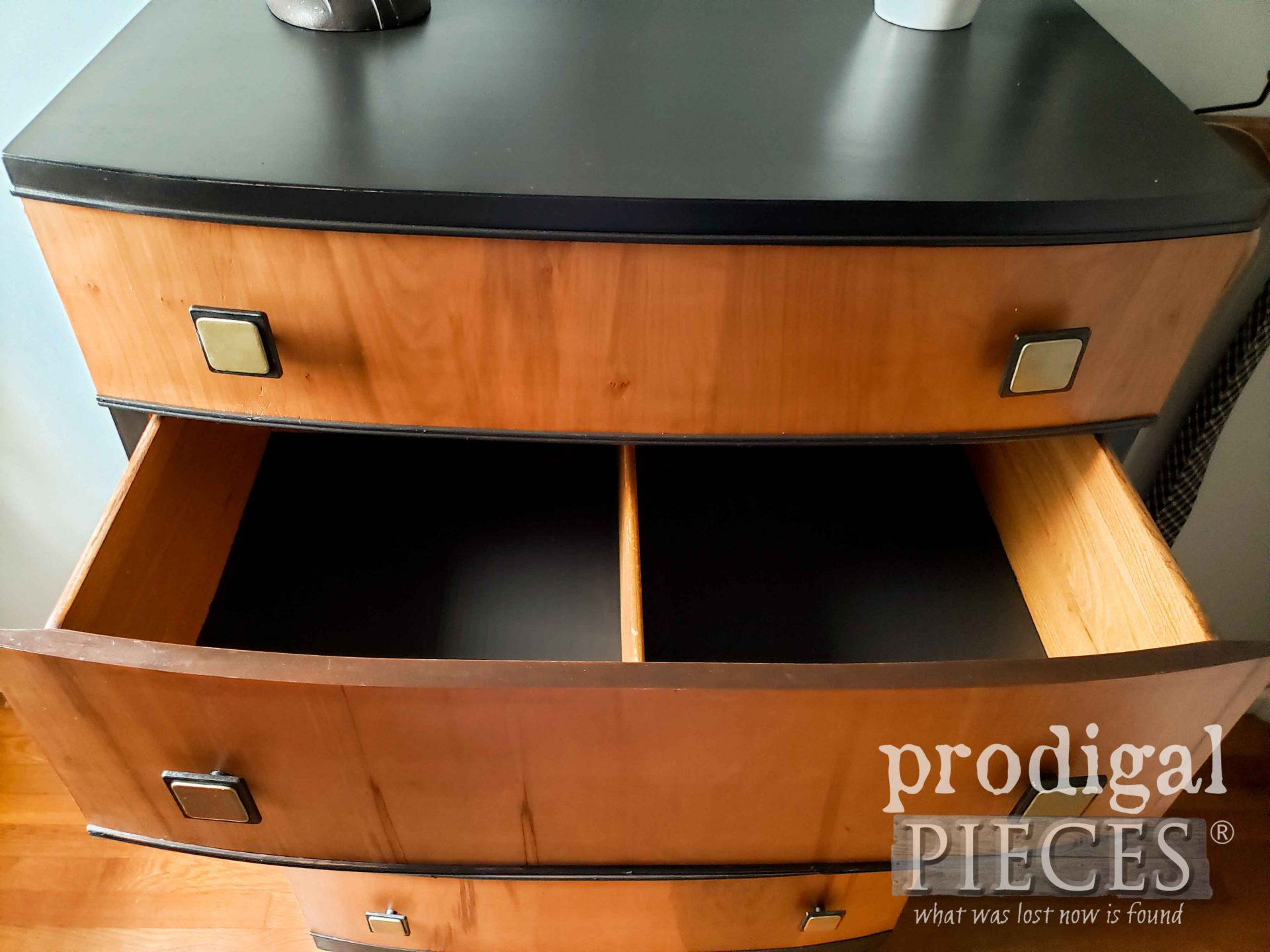 Inside Art Deco Chest of Drawers | prodigalpieces.com #prodigalpieces #vintage #furniture