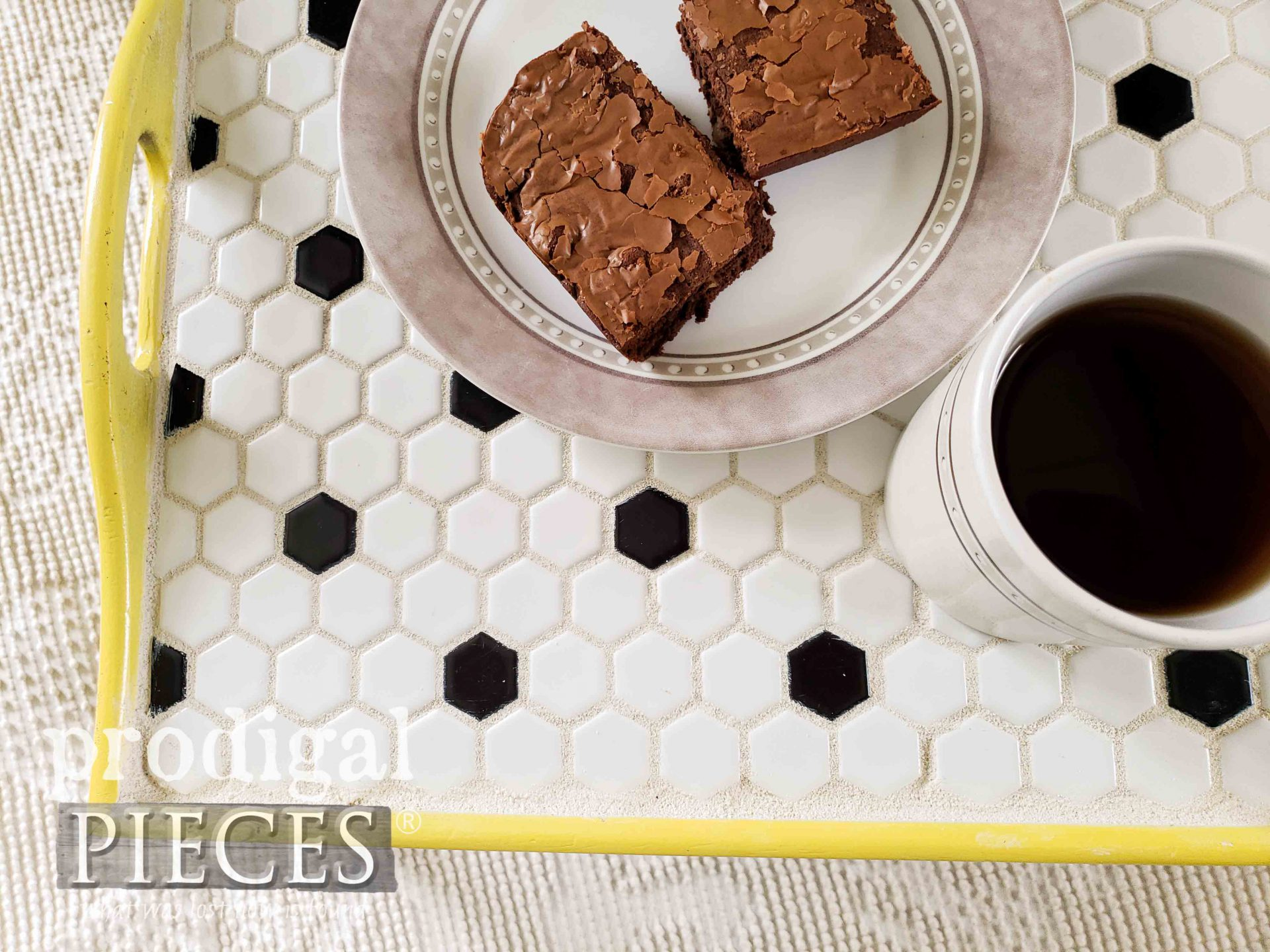 Modern Tiled Serving Tray by Larissa of Prodigal Pieces | prodigalpieces.com #prodigalpieces #modern #farmhouse #entertaining #home