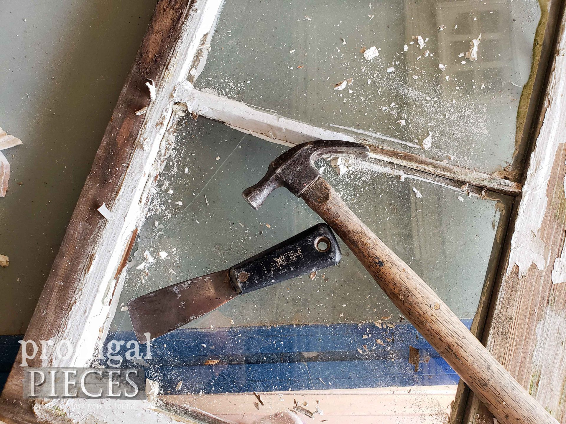 Removing Broken Glass from Reclaimed Windows | prodigalpieces.com