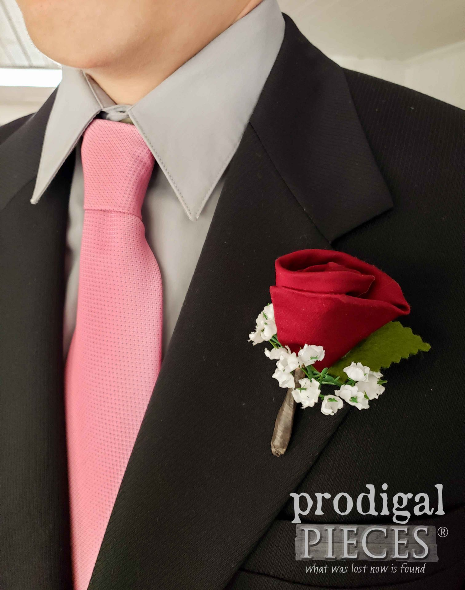 DIY Rosebud Boutonniere from Upcycled Necktie by Larissa of Prodigal Pieces | prodigalpieces.com #prodigalpieces #diy #handmade #fathersday #dad #wedding