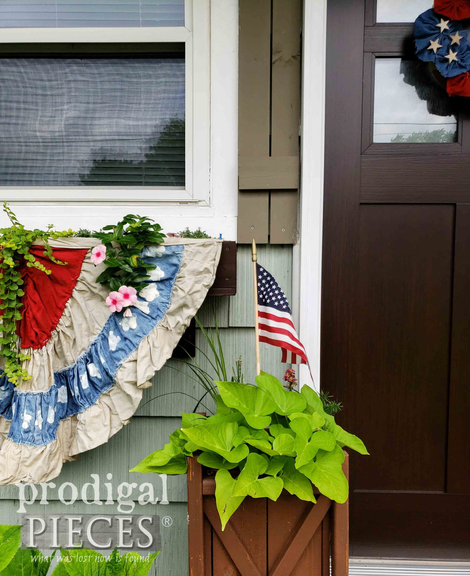 4th of July Decor by Larissa of Prodigal Pieces | prodigalpieces.com #prodigalpieces #diy #home #homedecor #4thofjuly