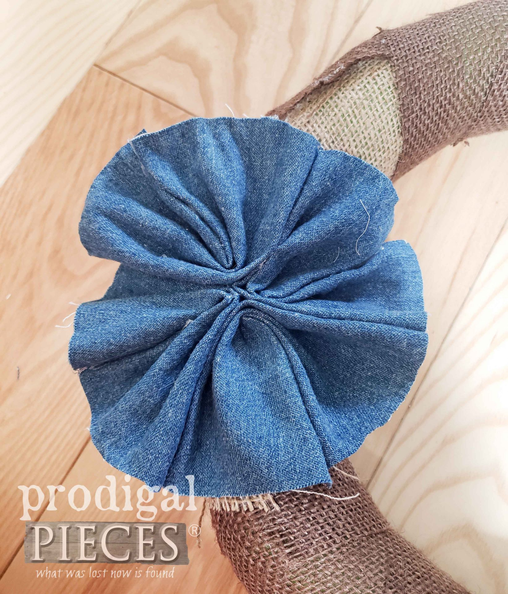 DIY Denim Floret for Independence Day Wreath by Prodigal Pieces | prodigalpieces.com