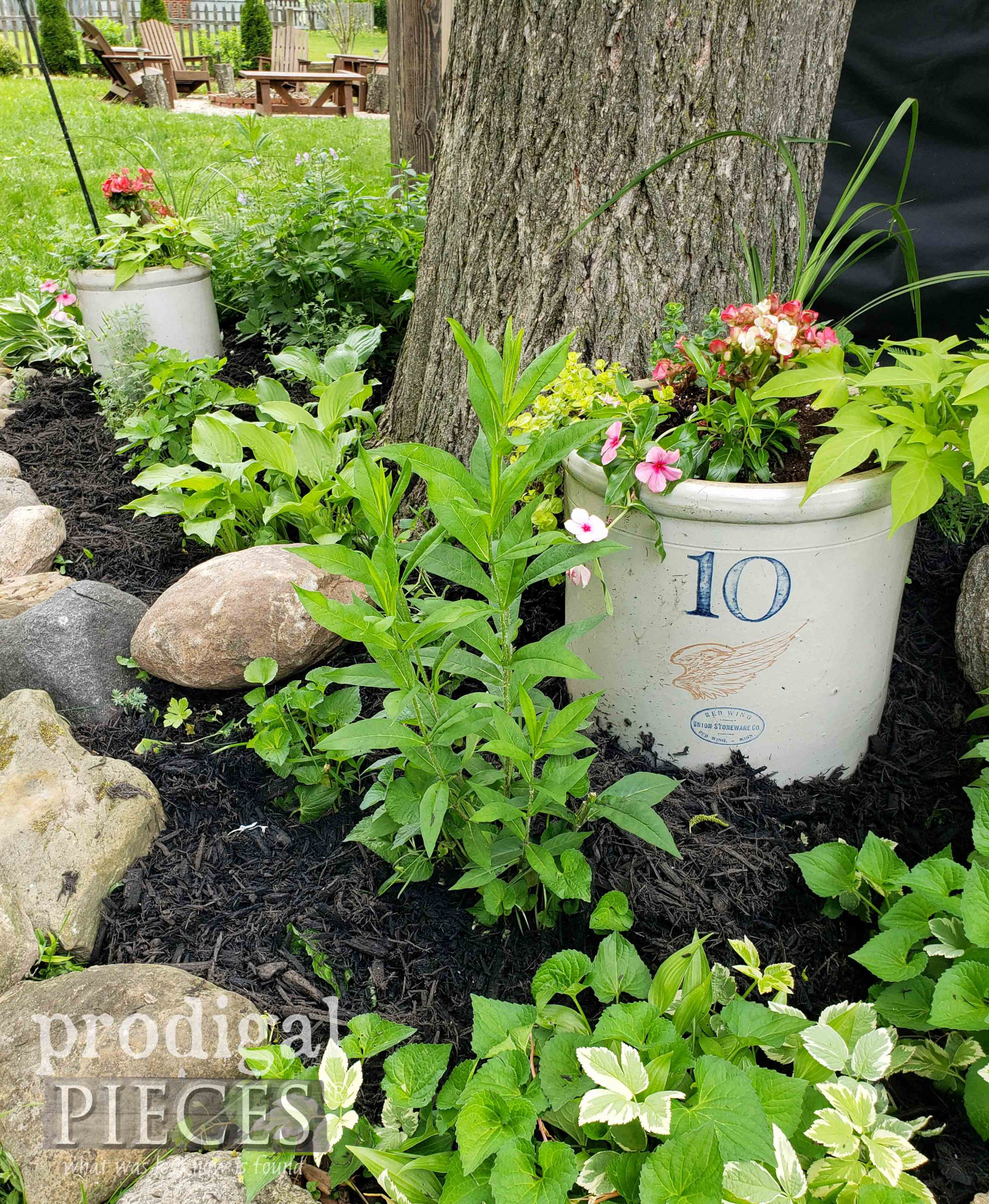 Farmhouse Crock Planter for Garden Decor and Texture by Larissa of Prodigal Pieces | prodigalpieces.com #prodigalpieces #garden
