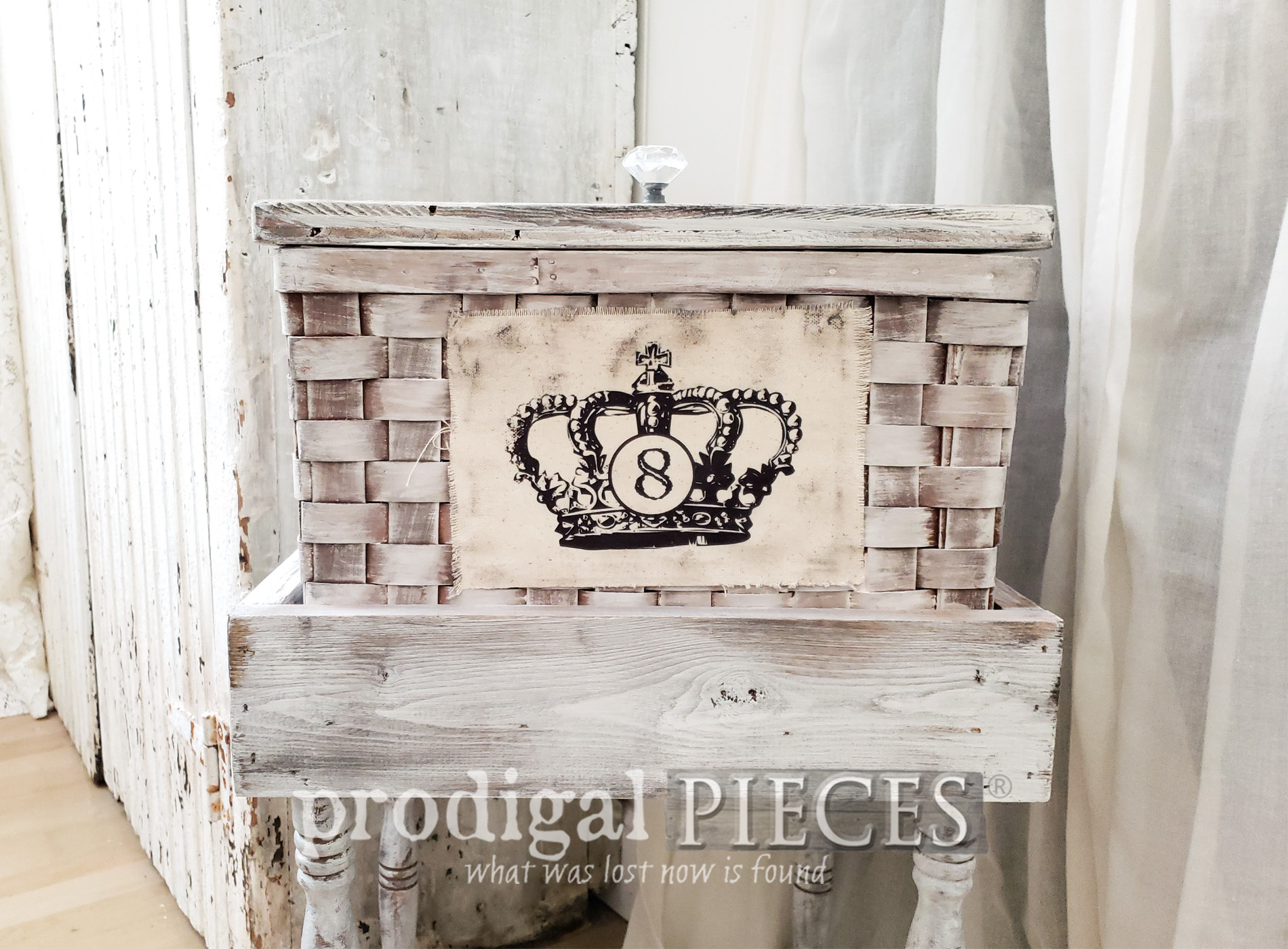 Featured Upcycled Basket Table with French Farmhouse Flair by Larissa of Prodigal Pieces | prodigalpieces.com #prodigalpieces #diy #home #homedecor #farmhouse