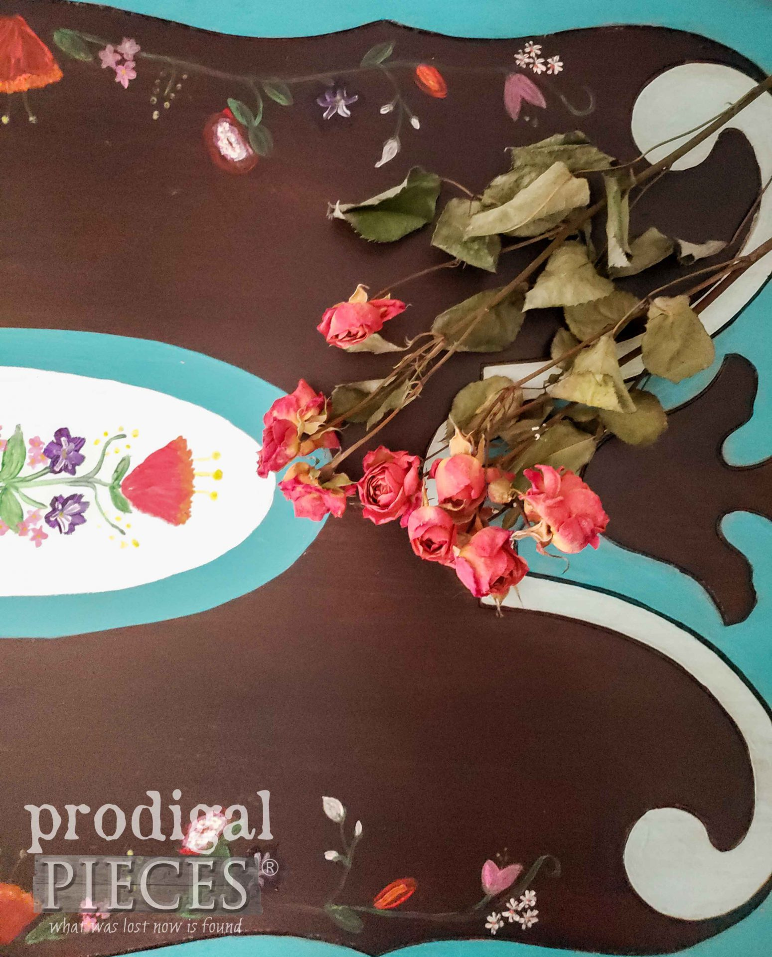 Floral Painting on Table Top | prodigalpieces.com #prodigalpieces #furniture #diy #home #homedecor