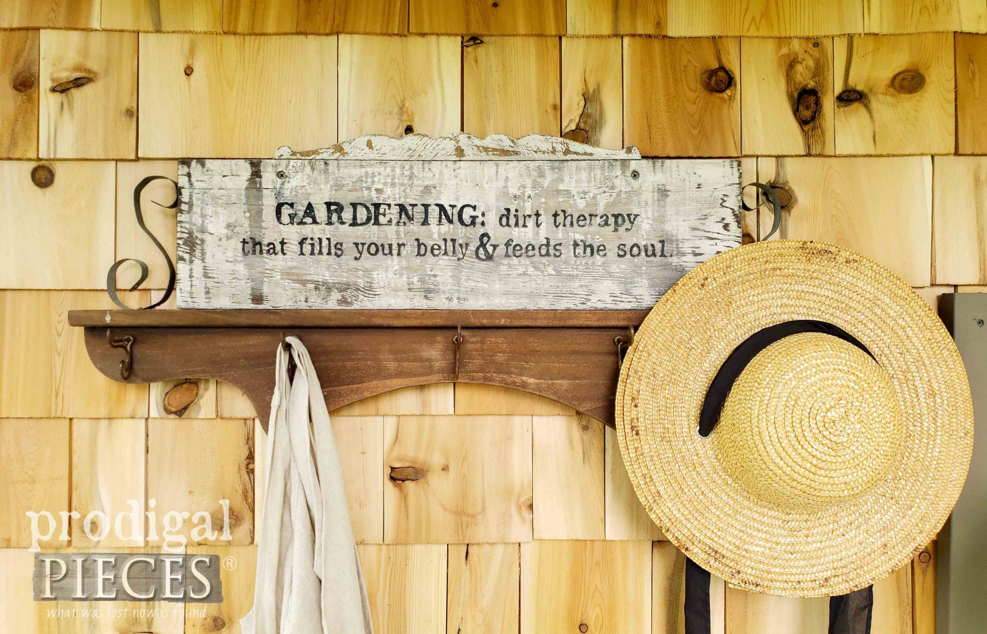 Gardening Sign Created by Larissa of Prodigal Pieces | prodigalpieces.com #prodigalpieces #garden
