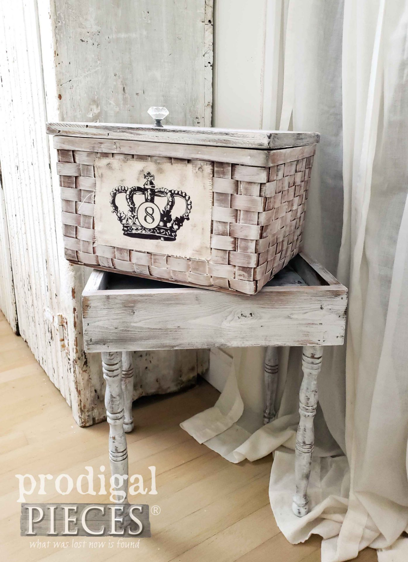 Removable Basket Table with Storage by Prodigal Pieces | prodigalpieces.com #prodigalpieces #diy #home #homedecor