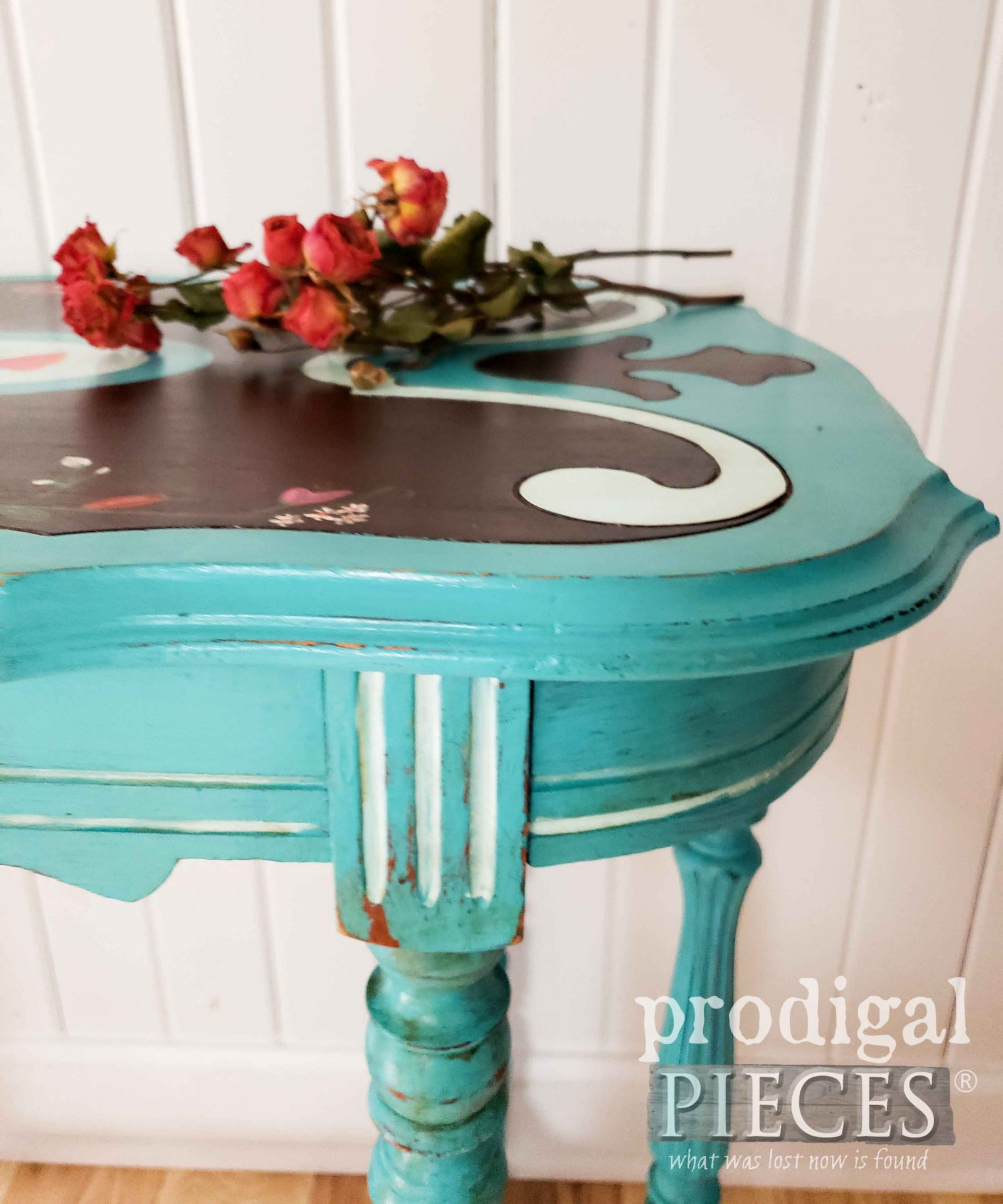 Teal Blue Antique Entry Table by Larissa of Prodigal Pieces | prodigalpieces.com #prodigalpieces #furniture #antique #diy #home #homedecor