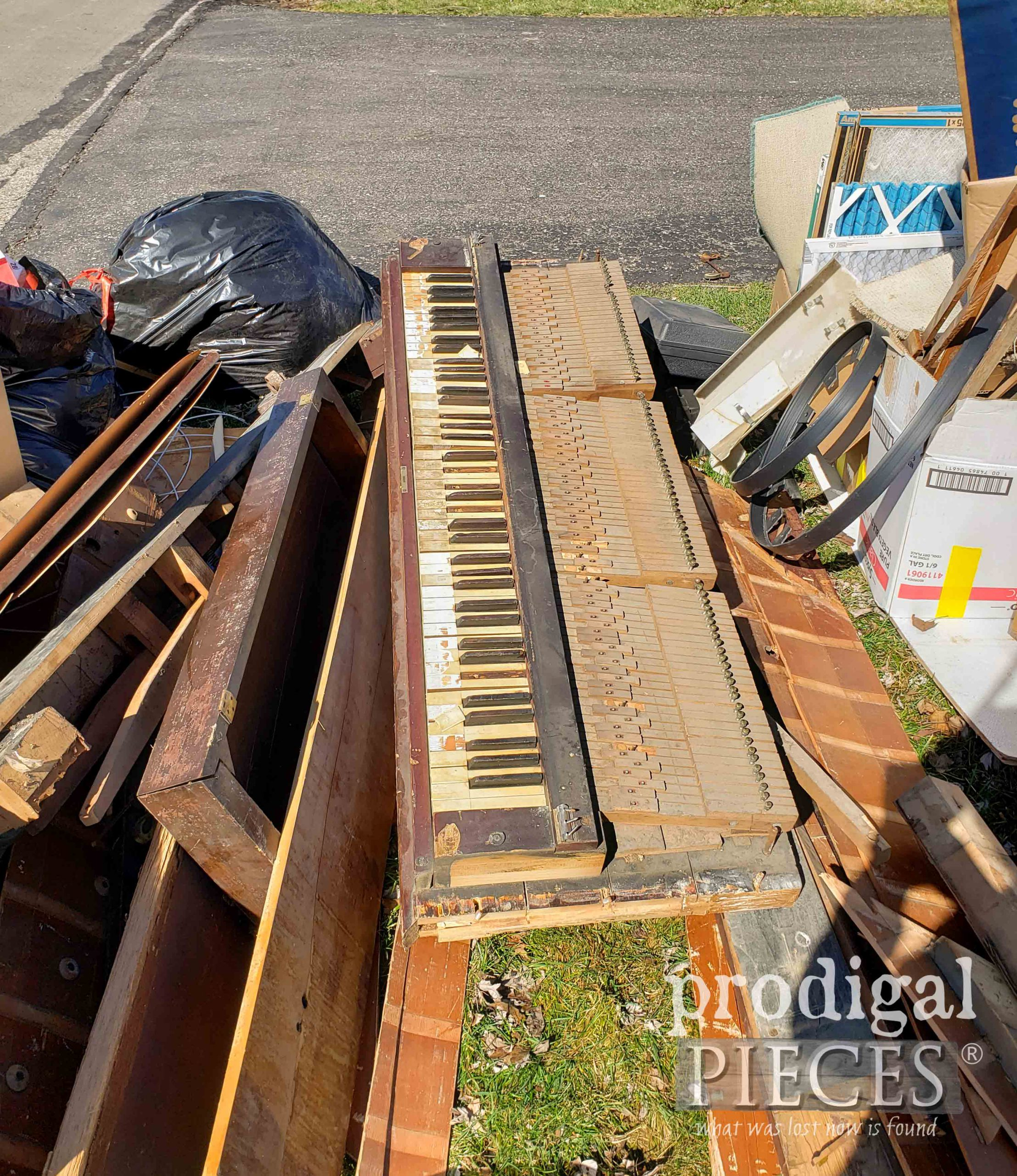 Antique Piano Keyboard Found Curbside by Prodigal Pieces   prodigalpieces.com #prodigalpieces