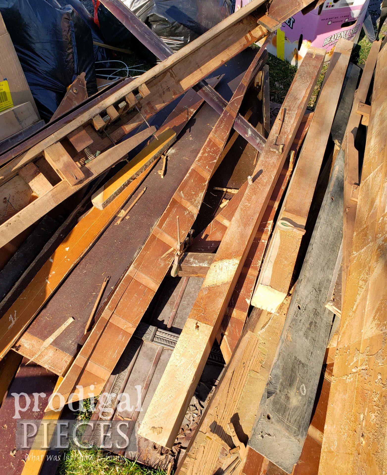 Broken Up Piano on Curb   prodigalpieces.com #prodigalpieces