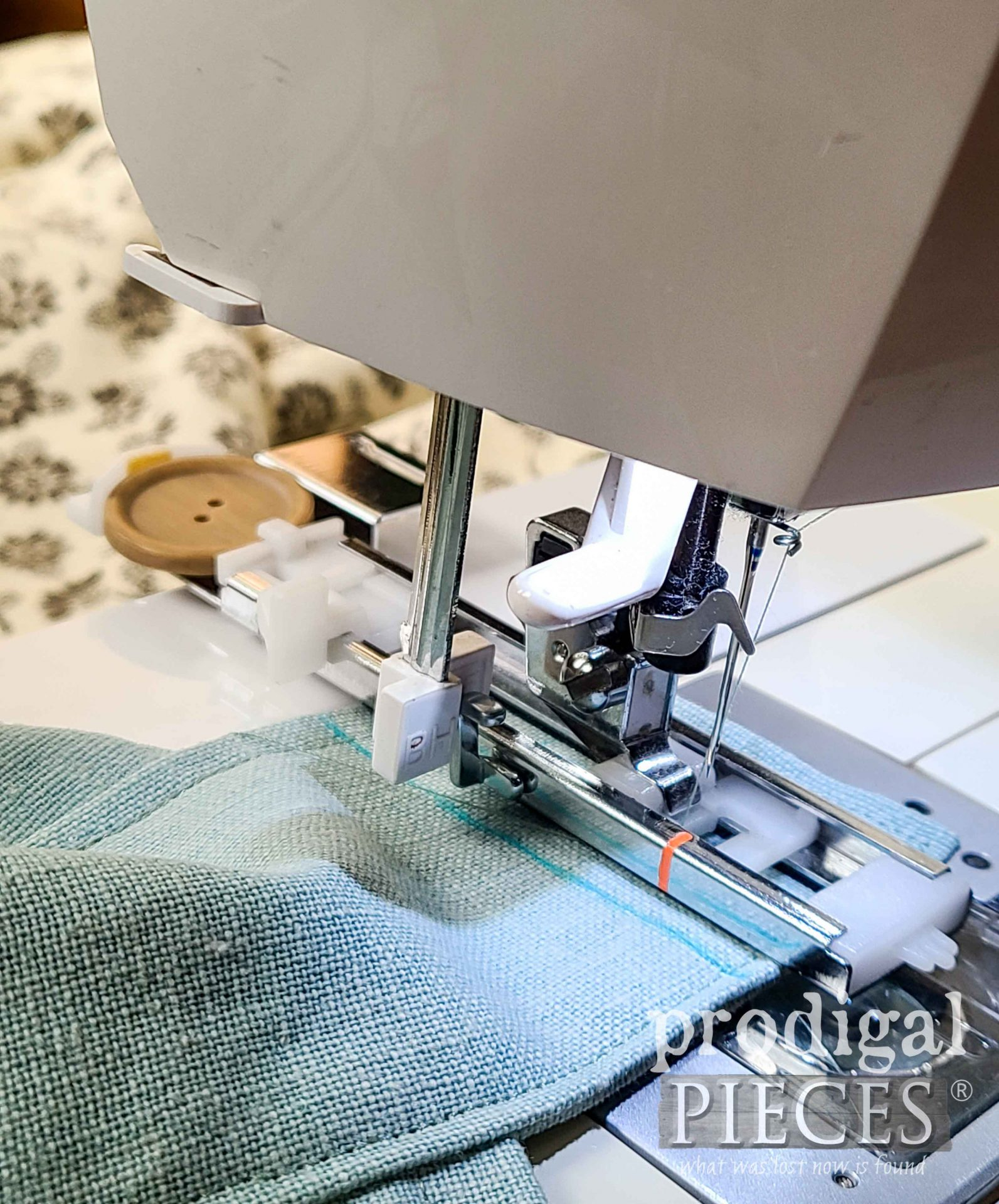 Button Hole Foot for Sewing Machine | prodigalpieces.com #prodigalpieces #sewing