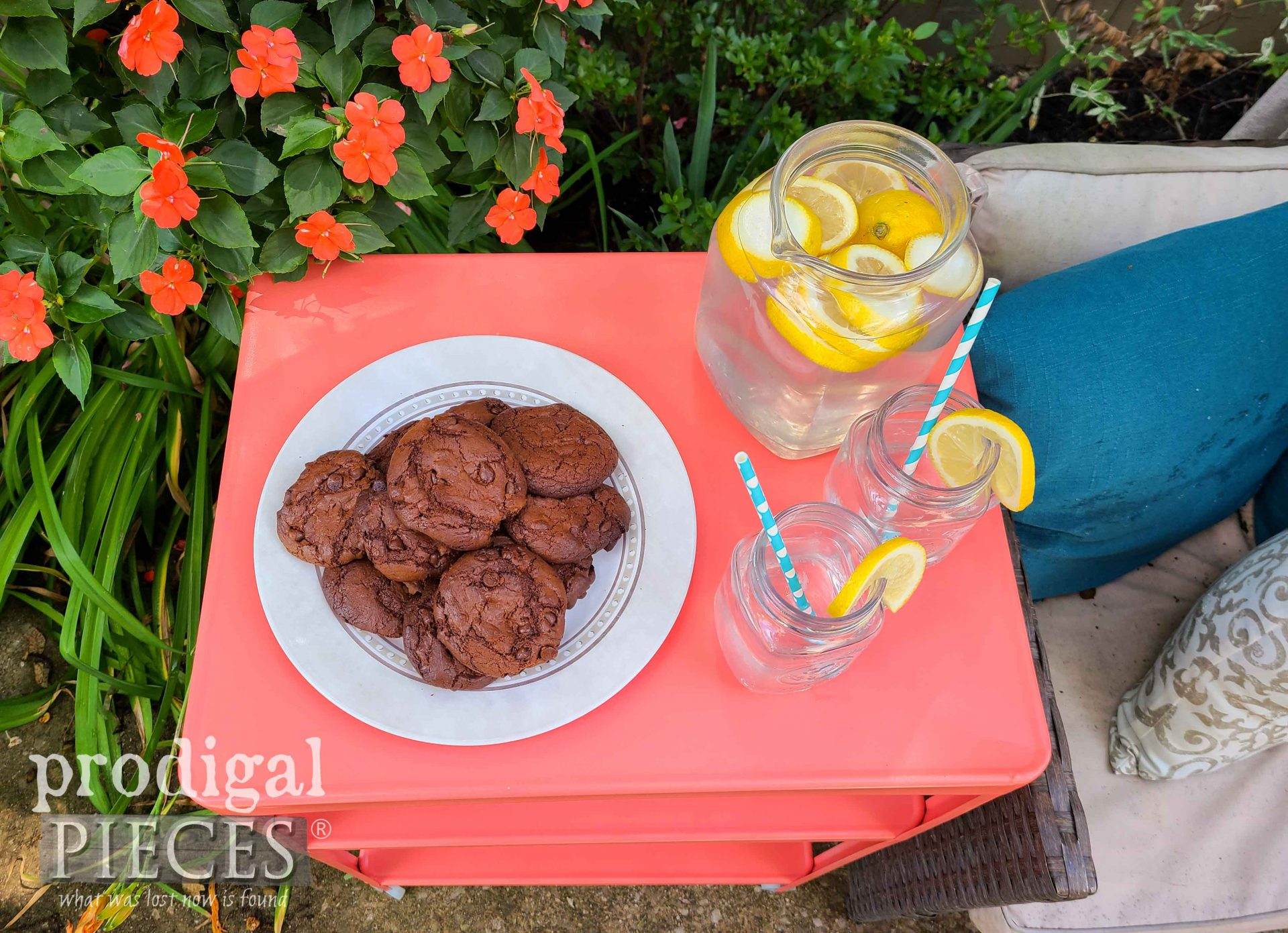 Coral Cart Top with Homemade Gluten Free Chocolate Fudge Cookies & Lemonade by Prodigal Pieces | prodigalpieces.com #prodigalpieces #food #cookies #vintage #furniture #home #patio