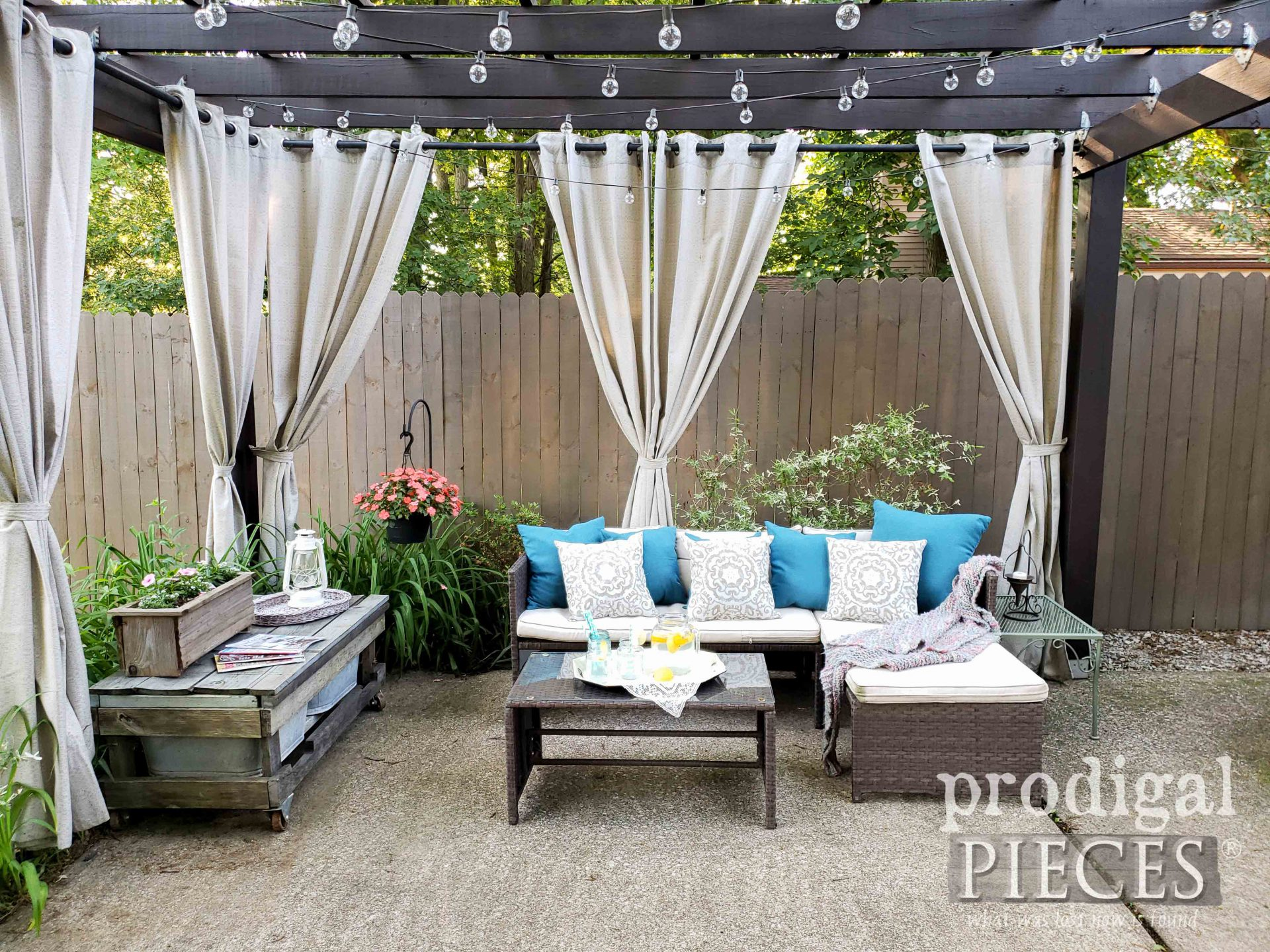 DIY Patio Decor by Prodigal Pieces | prodigalpieces.com #prodigalpieces #patio #diy #home #homedecor