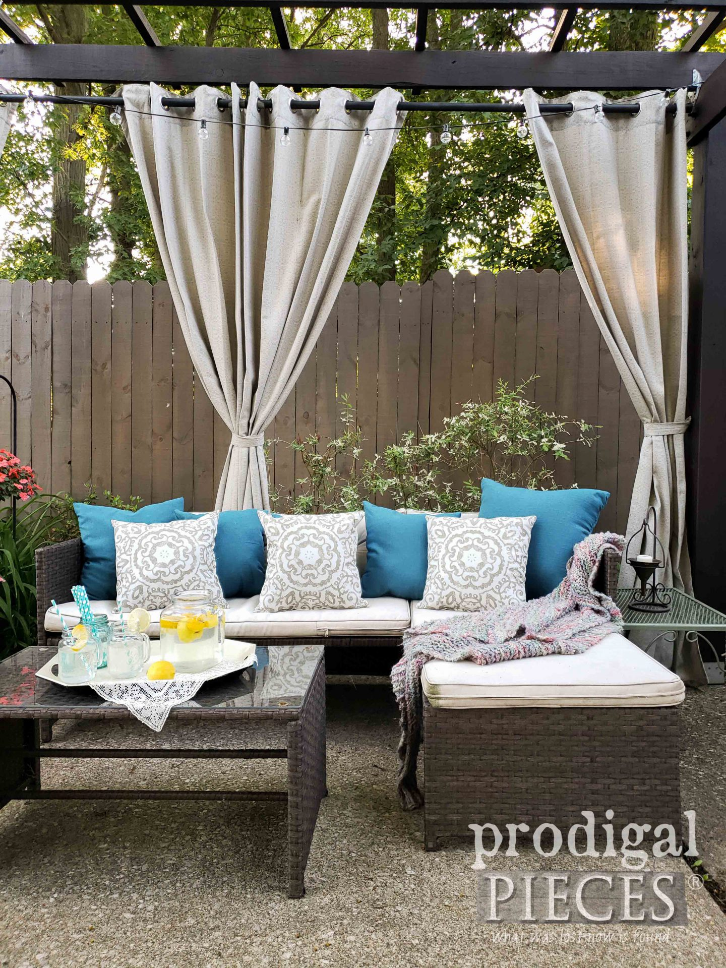 DIY Patio Furniture & Decor by Prodigal Pieces | prodigalpieces.com #prodigalpieces #diy #patio #home #homedecor #farmhouse