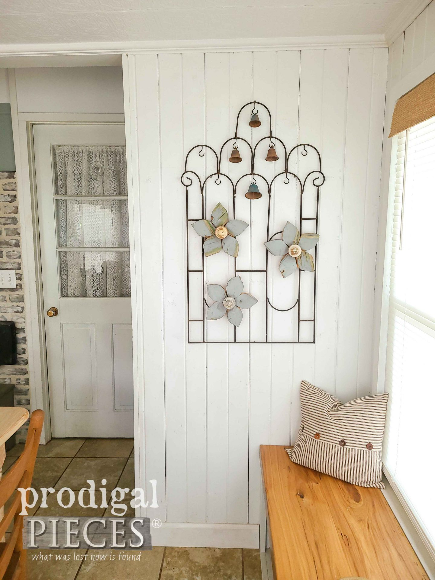 DIY Salvaged Garden Art for Home Decor by Larissa of Prodigal Pieces | prodigalpieces.com #prodigalpieces #diy #garden #home #homedecor #farmhouse