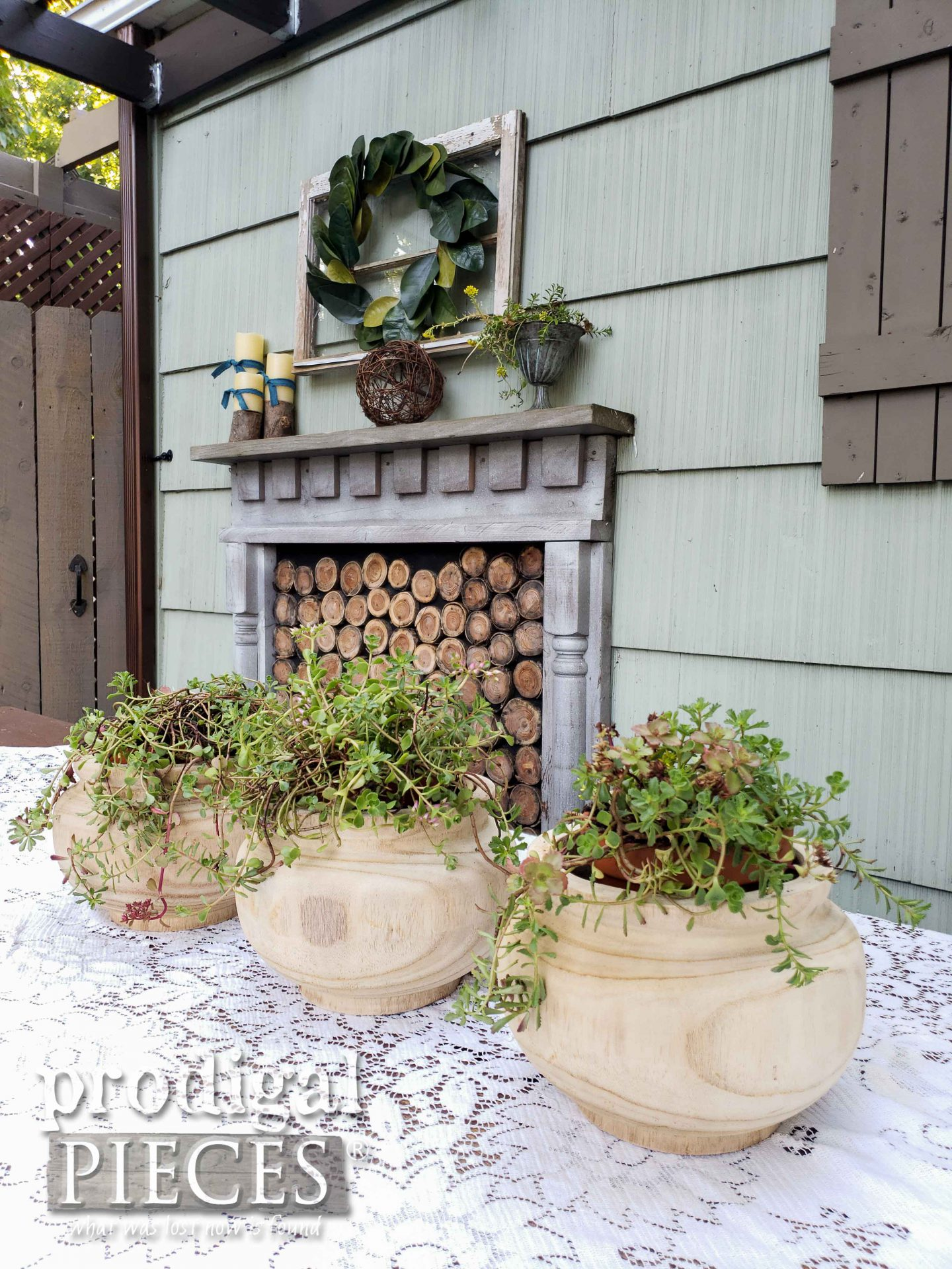 Farmhouse Patio Decor by Larissa of Prodigal Pieces | prodigalpieces.com #prodigalpieces #diy #patio #outdoor #home #homedecor #farmhouse