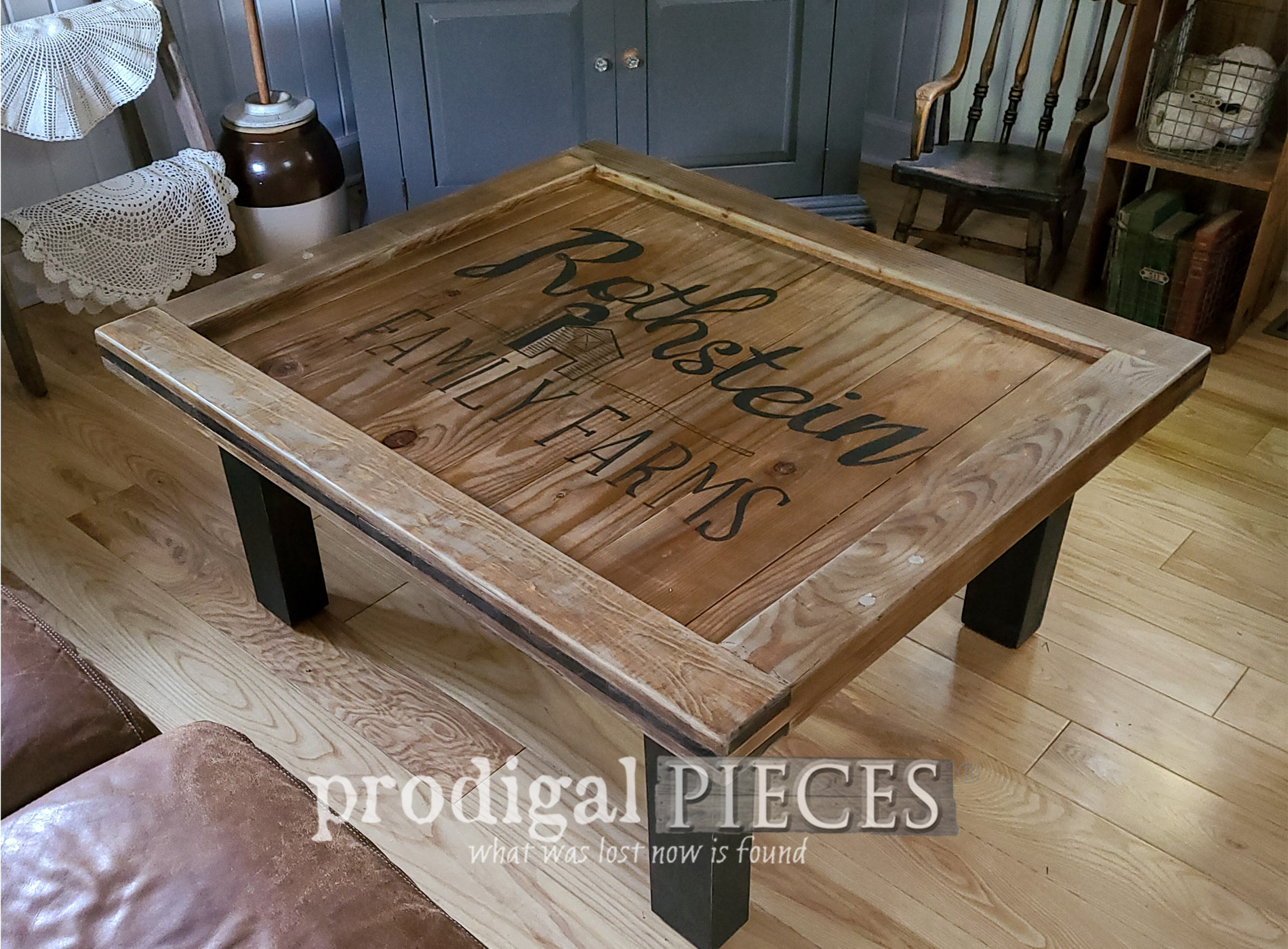Featured Reclaimed Coffee Table Built by Larissa of Prodigal Pieces | prodigalpieces.com #prodigalpieces #farmhouse #furniture #build #woodworking #reclaimed #home #homedecor