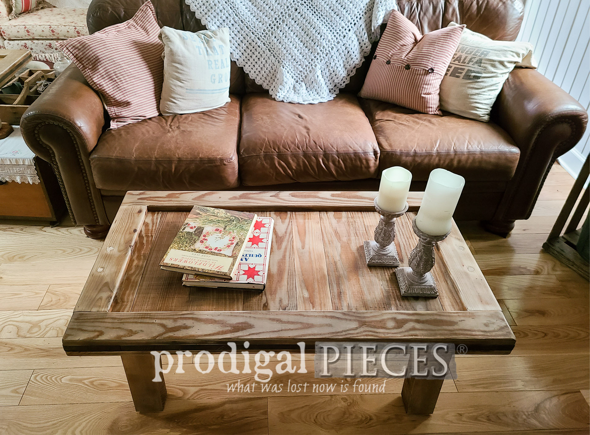 Featured Upcycled Coffee Table for Farmhouse Decor by Larissa of Prodigal Pieces | prodigalpieces.com #prodigalpieces #furniture #home #homedecor #farmhouse #diy