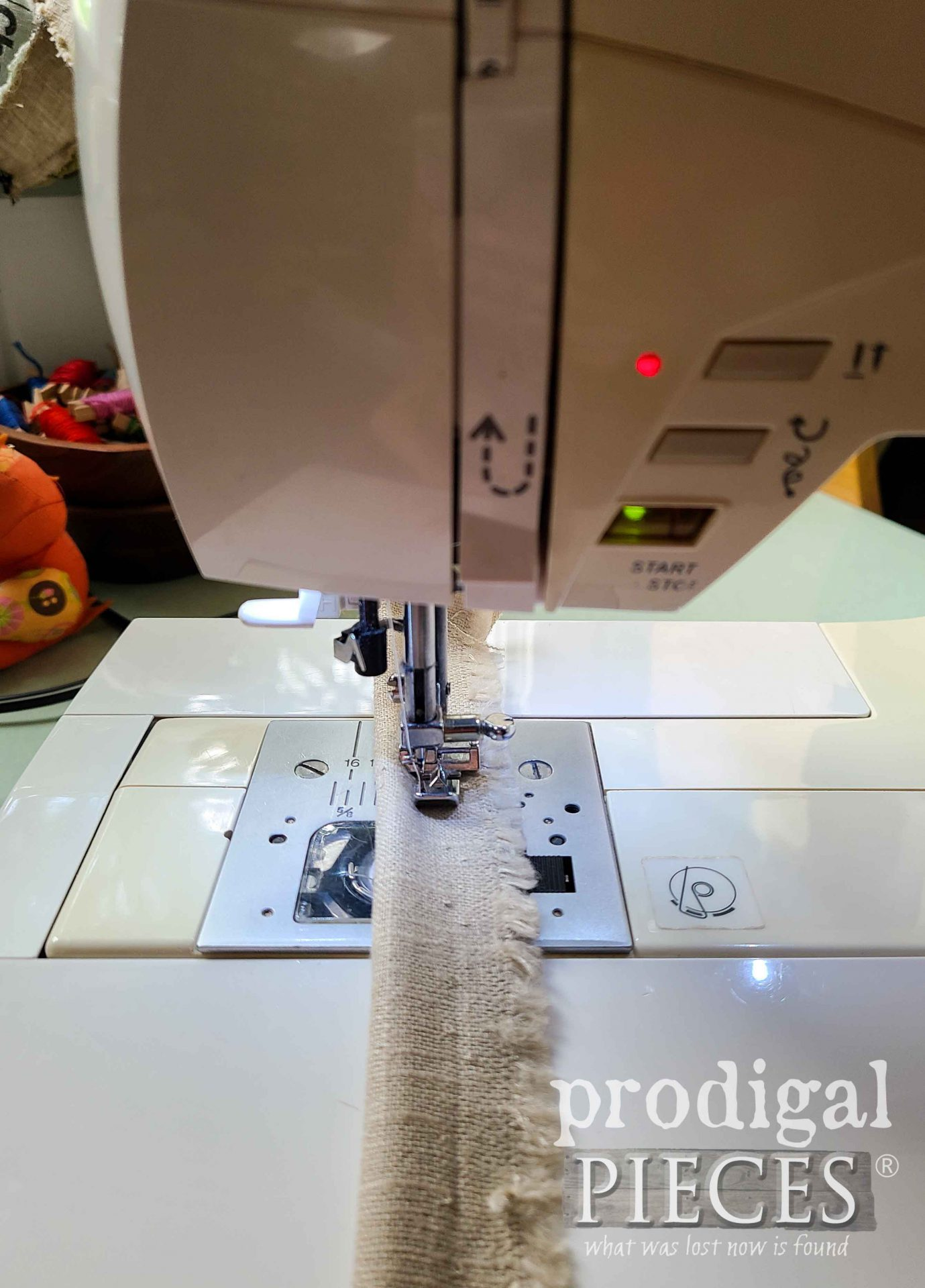 Making Welting with a Zipper Foot on Sewing Machine | prodigalpieces.com