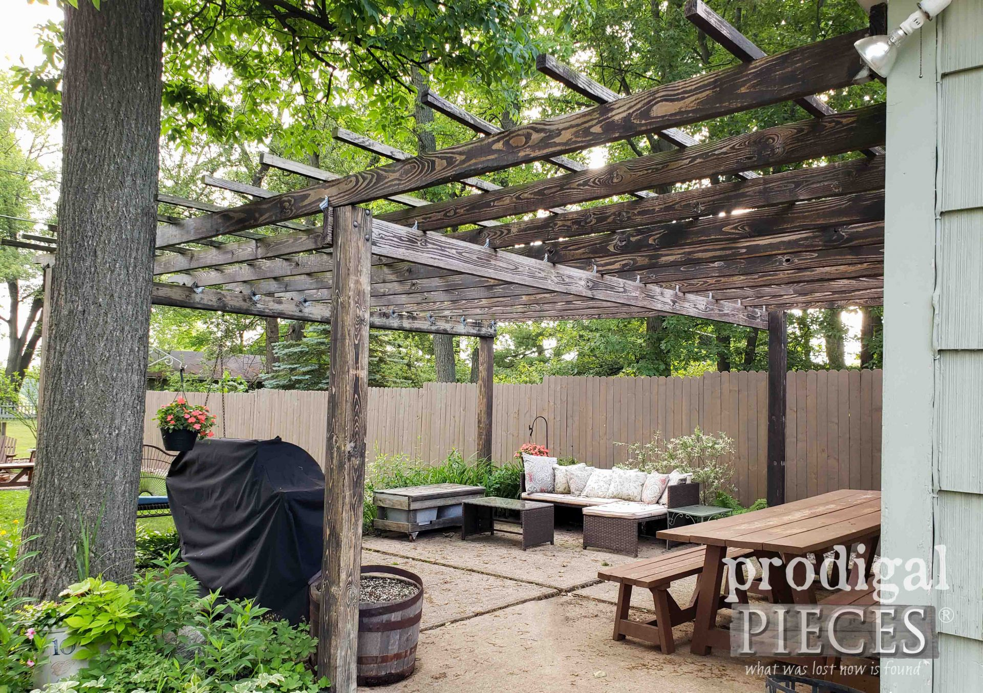 Prodigal Pieces DIY Patio & Pergola Before Update | prodigalpieces.com