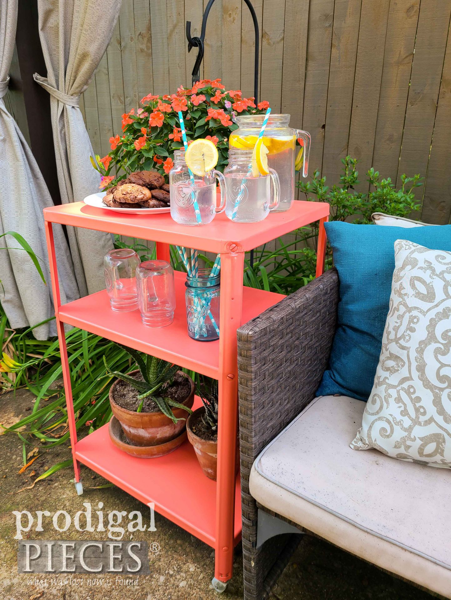 Patio Vintage Serving Cart for Color Fun by Larissa of Prodigla Pieces | prodigalpieces.com #prodigalpieces #diy #home #patio #homedecor